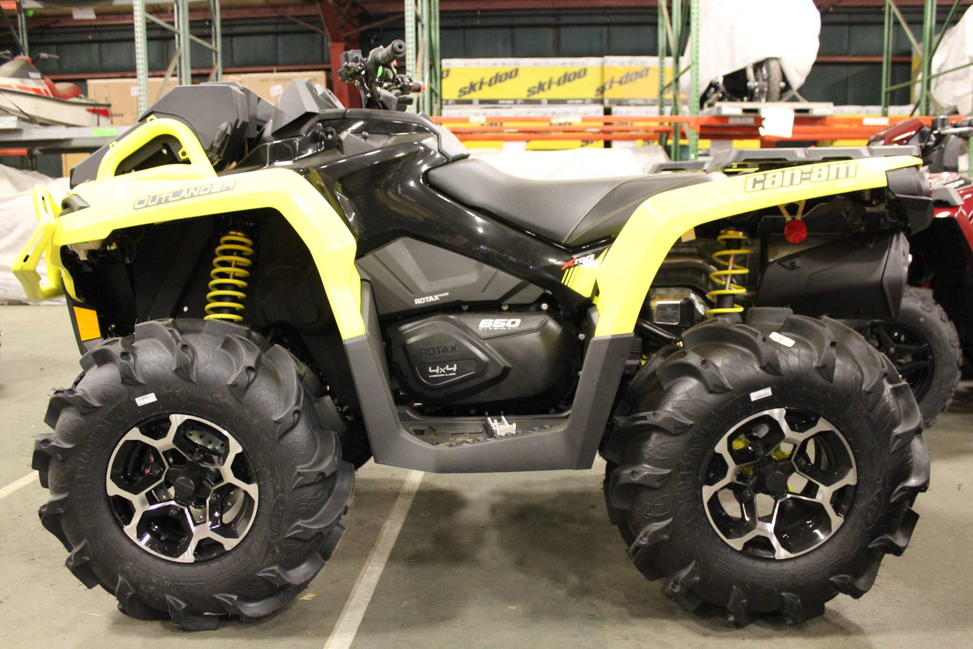 2019 Can-Am Outlander X mr 650 in Bennington, Vermont