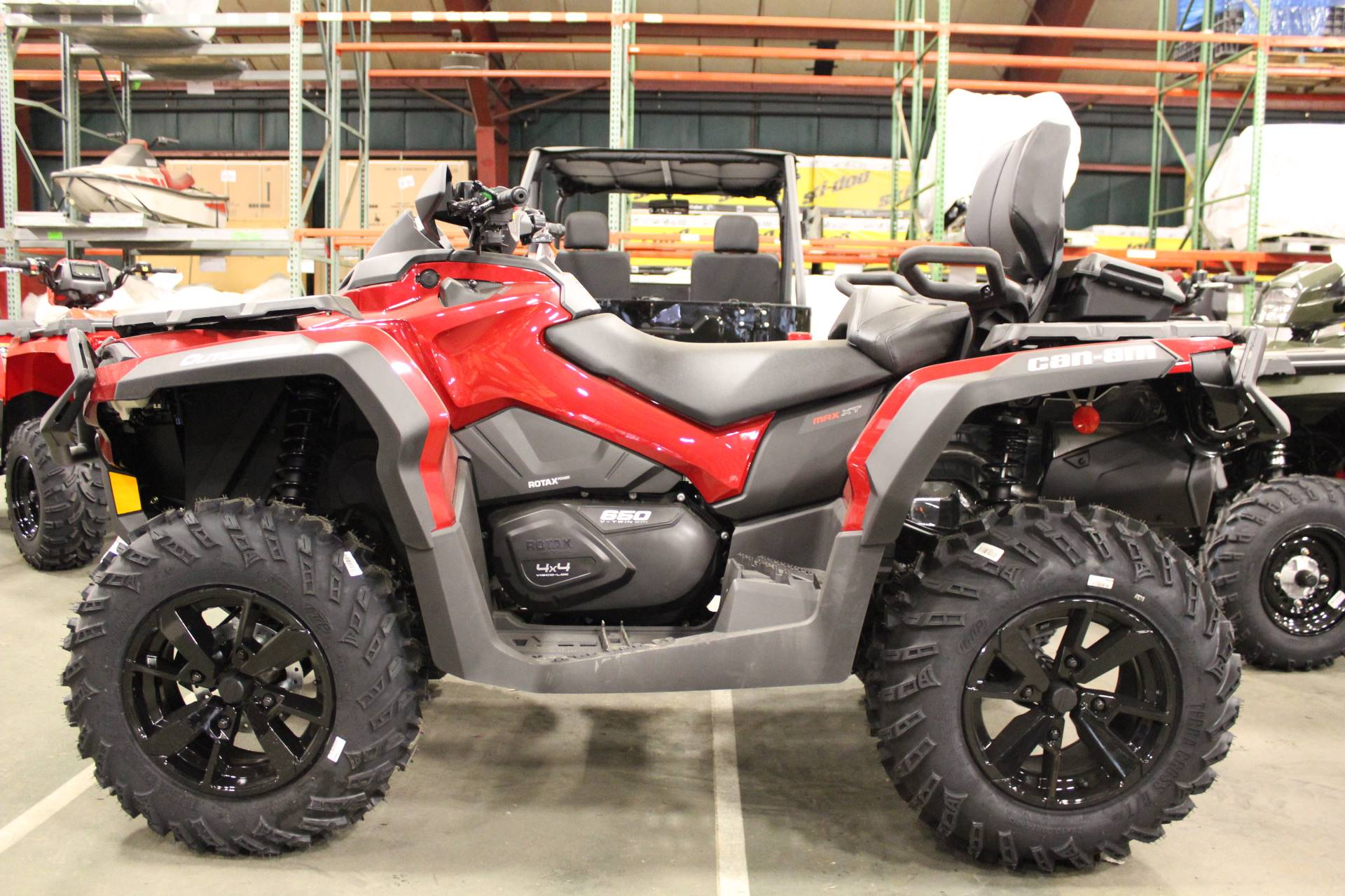 2019 Can-Am Outlander MAX XT 650 in Bennington, Vermont - Photo 1