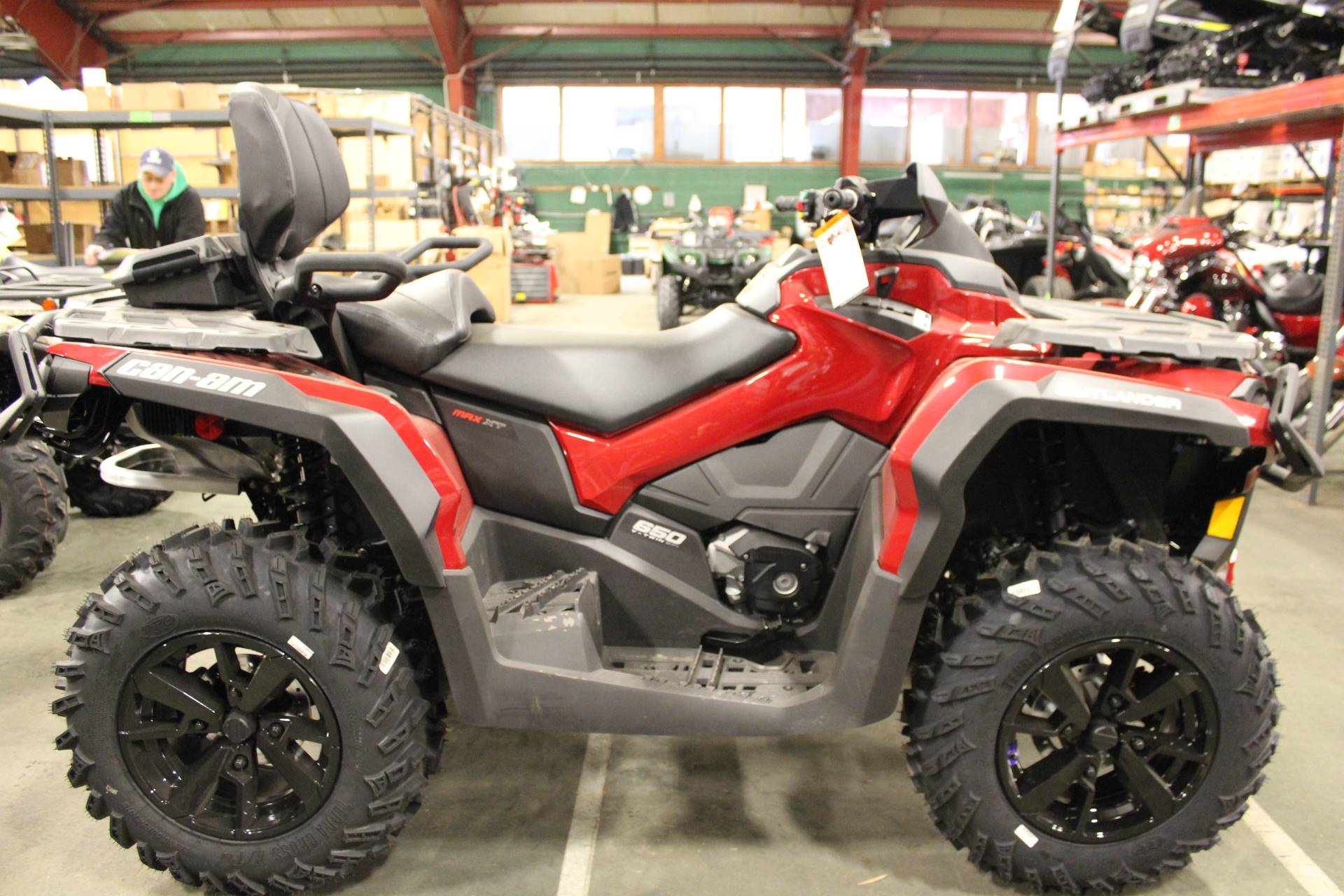 2019 Can-Am Outlander MAX XT 650 in Bennington, Vermont - Photo 3