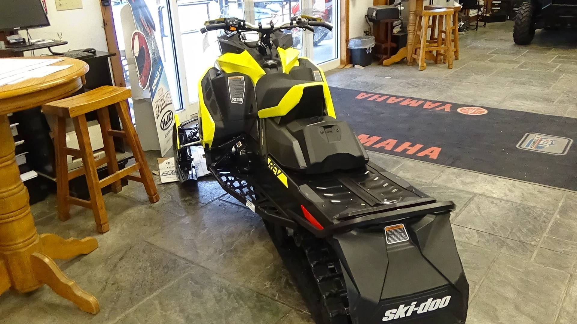 2020 Ski-Doo MXZ TNT 600R E-TEC ES Ripsaw 1.25 in Bennington, Vermont - Photo 3