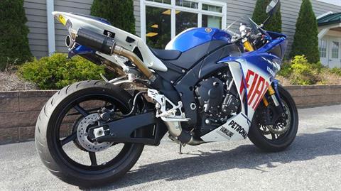 2010 Yamaha YZF-R1 LE in Bennington, Vermont