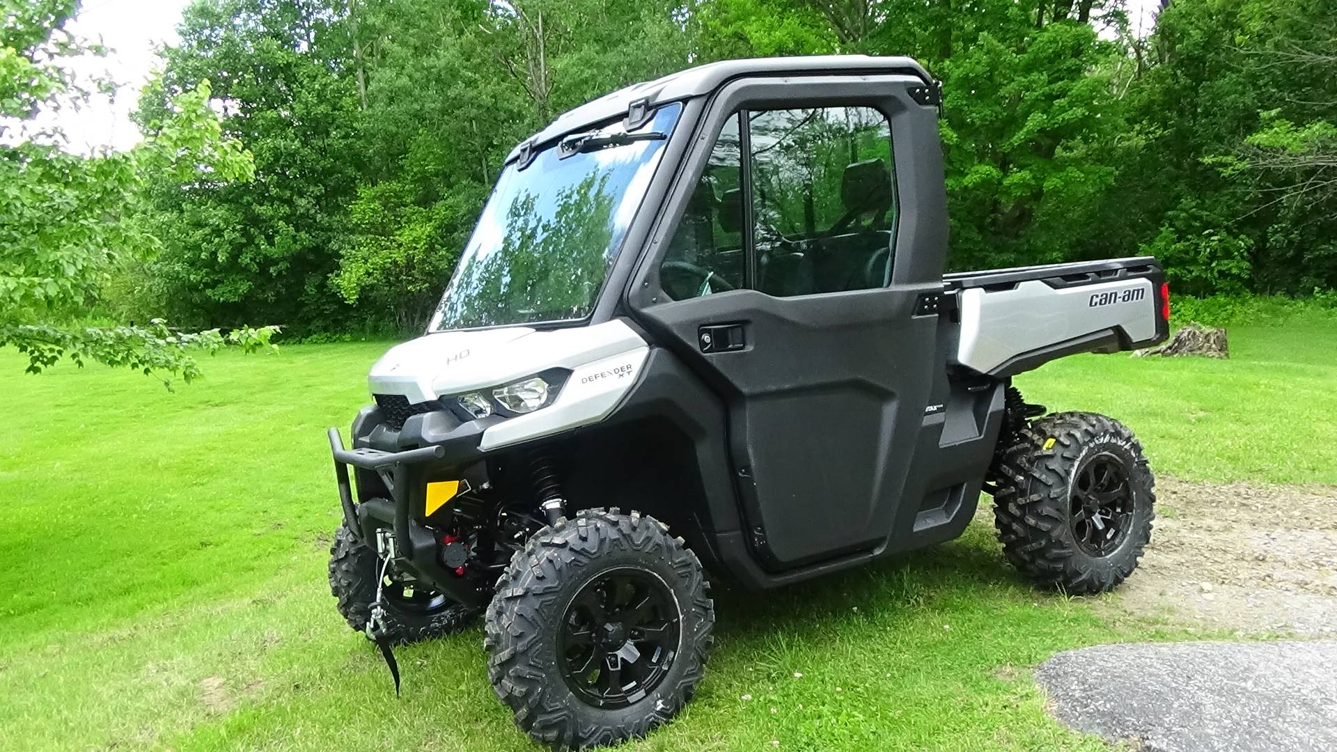 2019 Can-Am Defender XT CAB HD8 in Bennington, Vermont - Photo 1