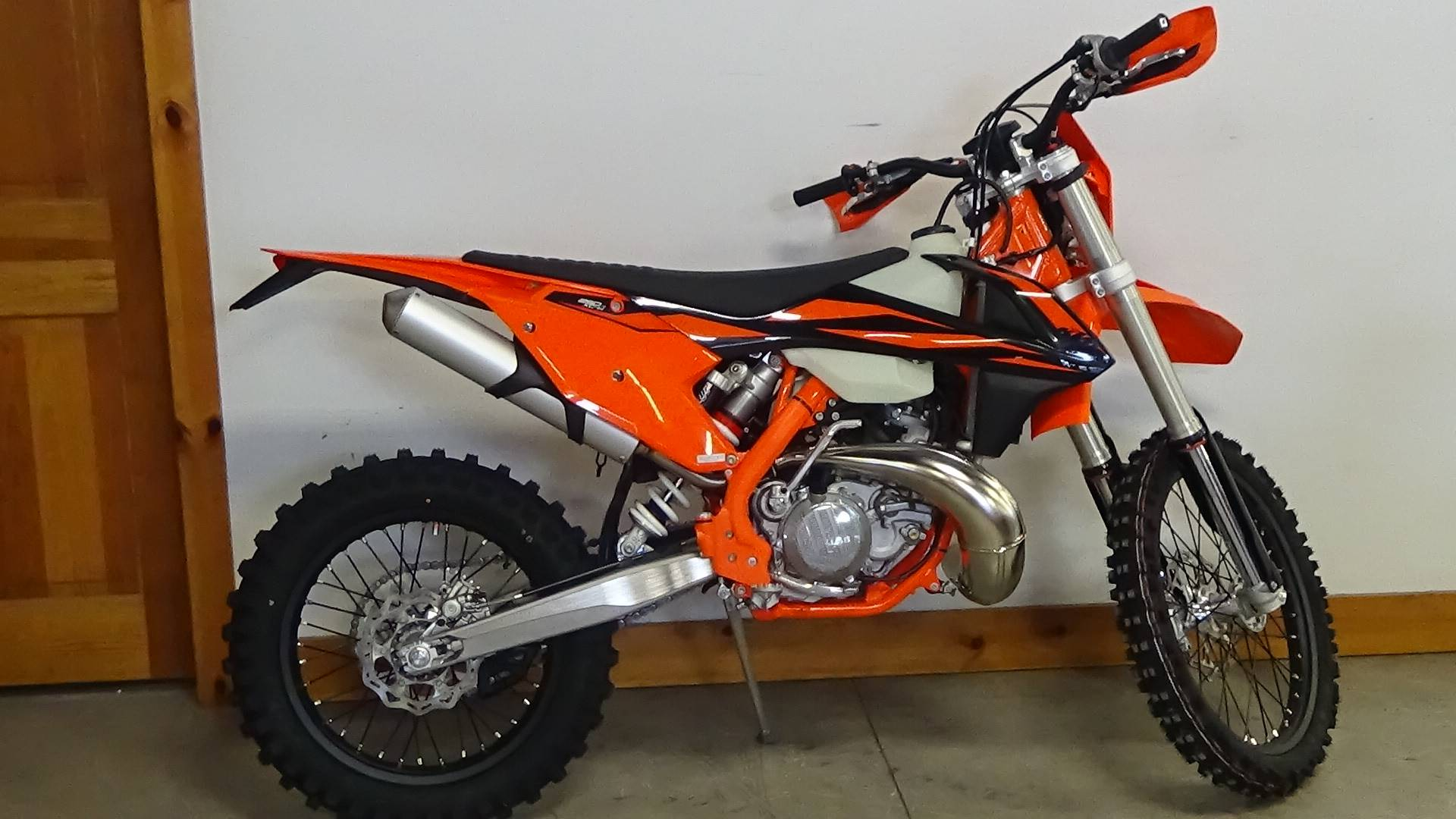 New 2019 KTM 250 XC-W TPI Motorcycles in Adams, MA   Stock Number