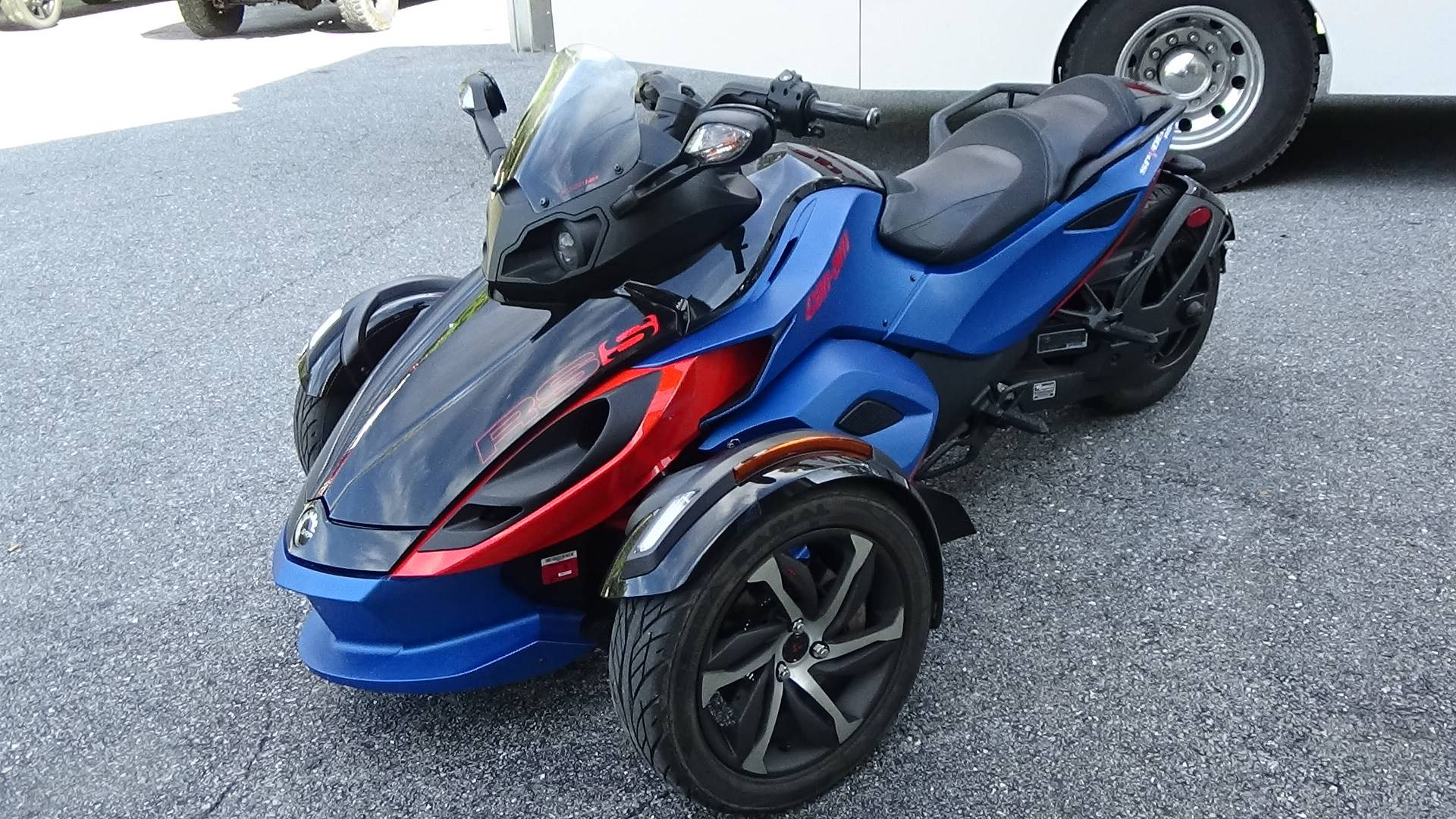 2015 Can-Am Spyder® RS-S SE5 in Bennington, Vermont - Photo 8