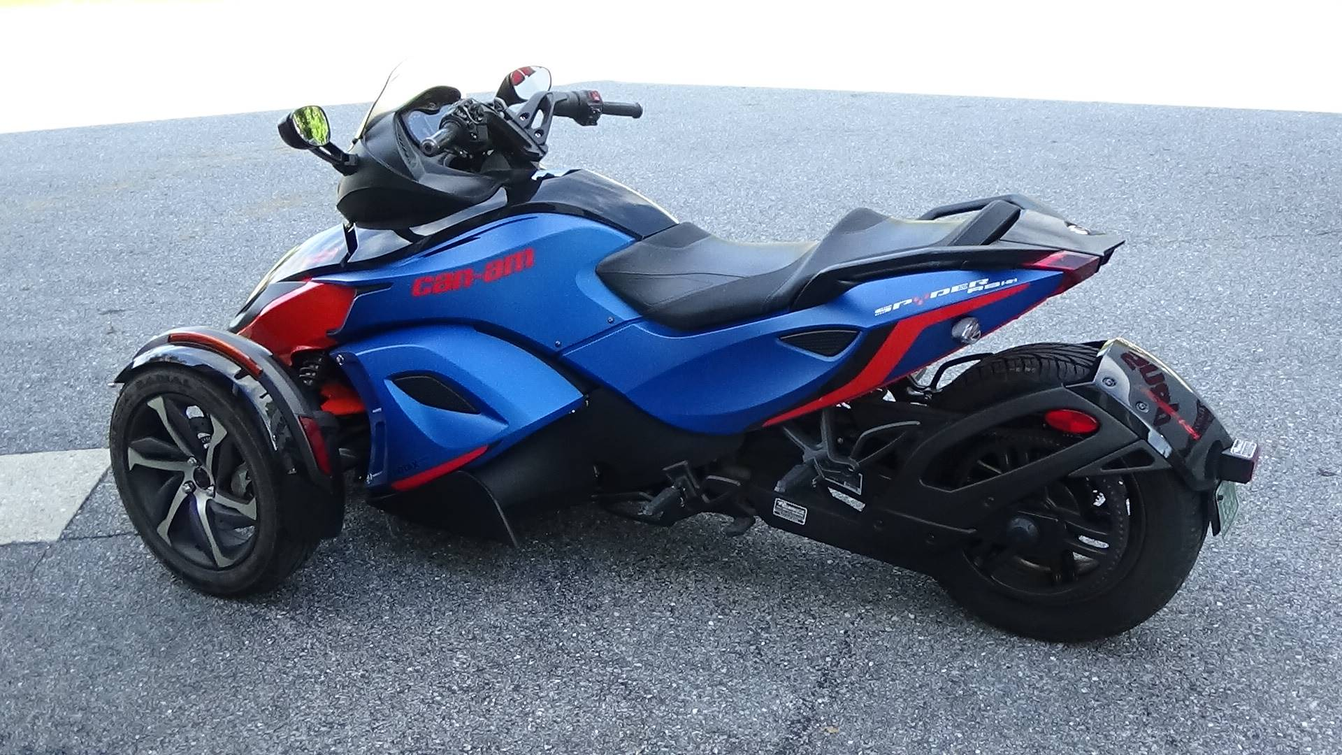 2015 Can-Am Spyder® RS-S SE5 in Bennington, Vermont - Photo 10