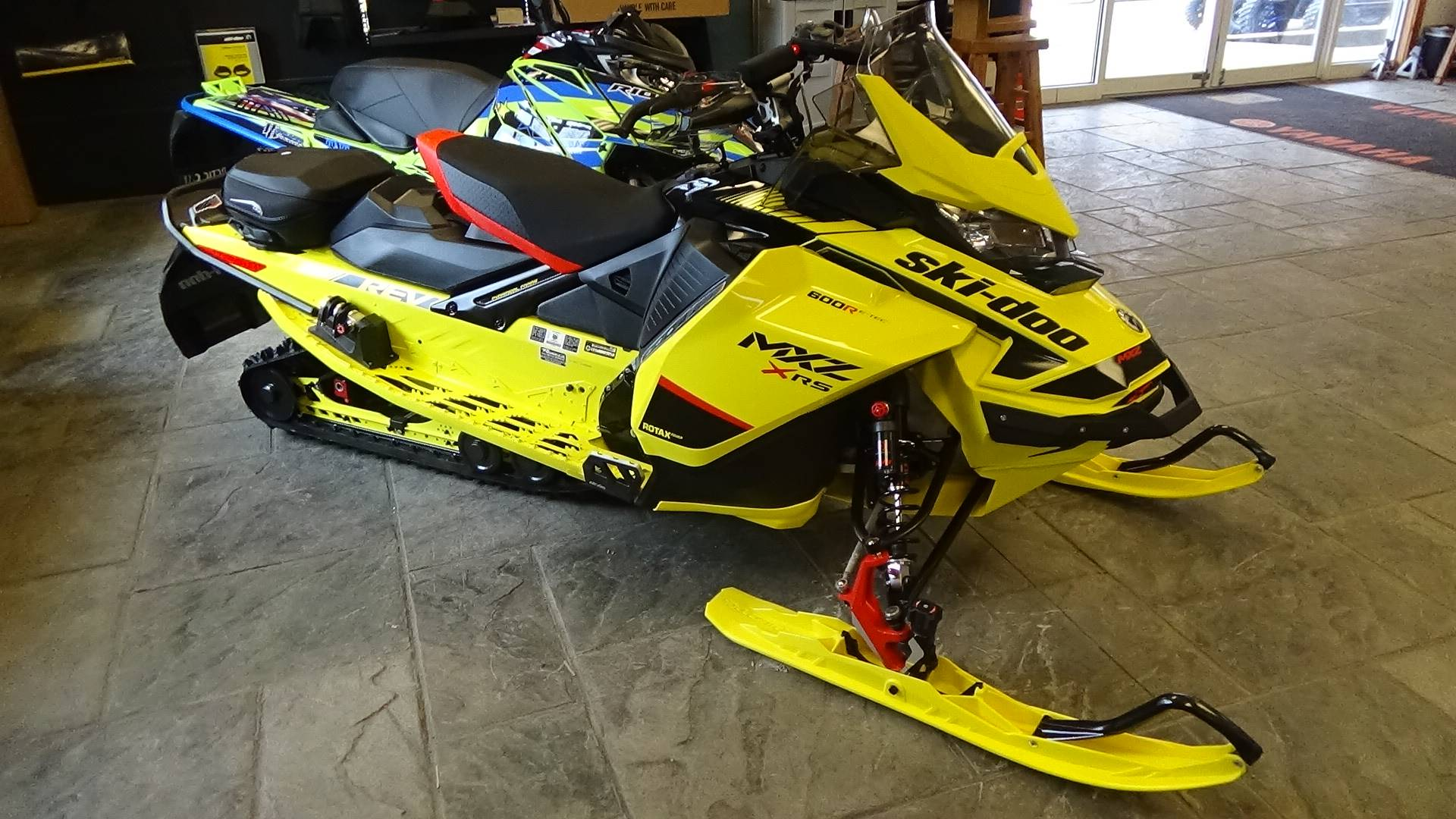 2020 Ski-Doo MXZ X-RS 600R E-TEC ES Adj. Pkg. Ripsaw 1.25 in Bennington, Vermont - Photo 2