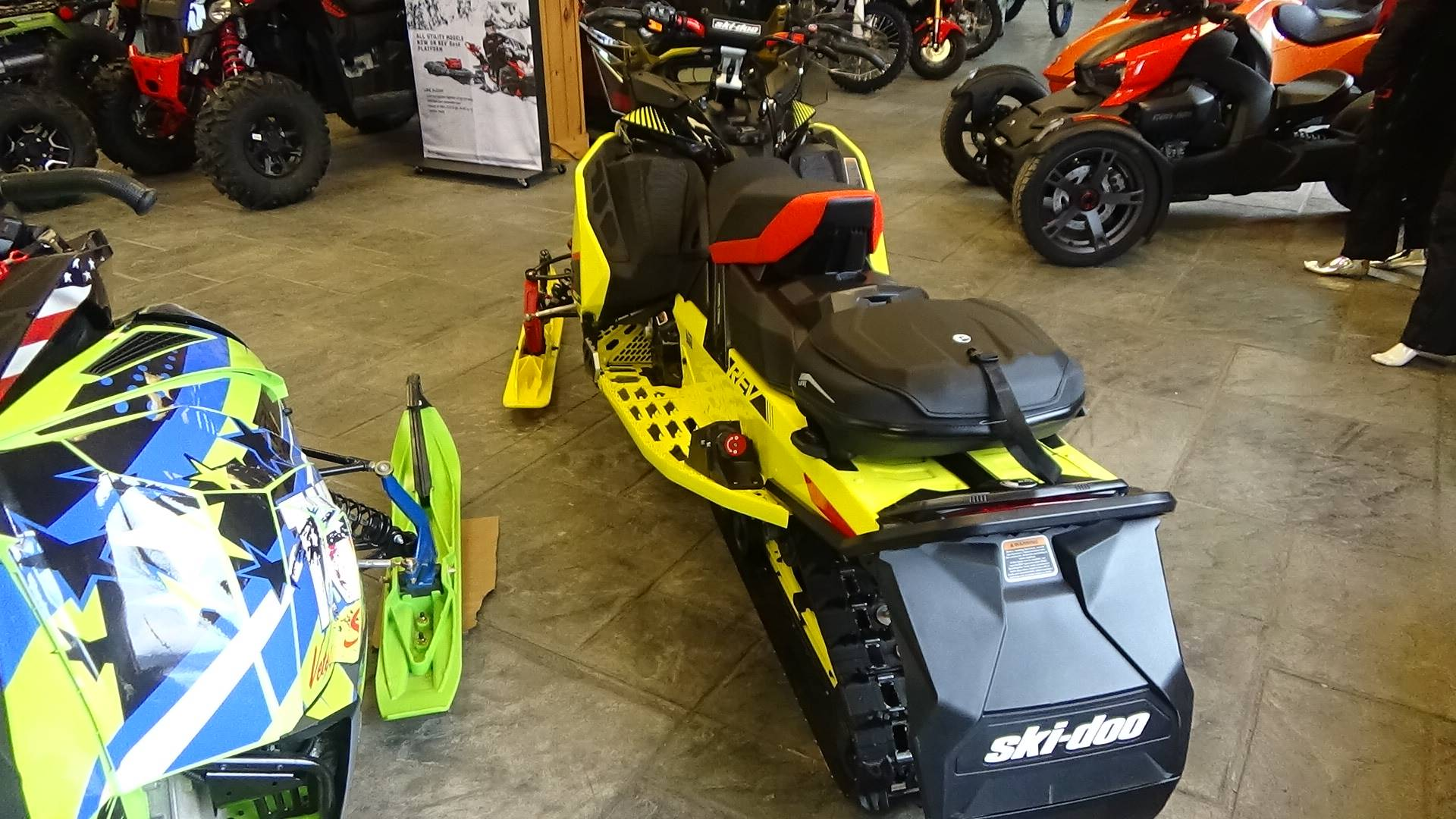 2020 Ski-Doo MXZ X-RS 600R E-TEC ES Adj. Pkg. Ripsaw 1.25 in Bennington, Vermont - Photo 5