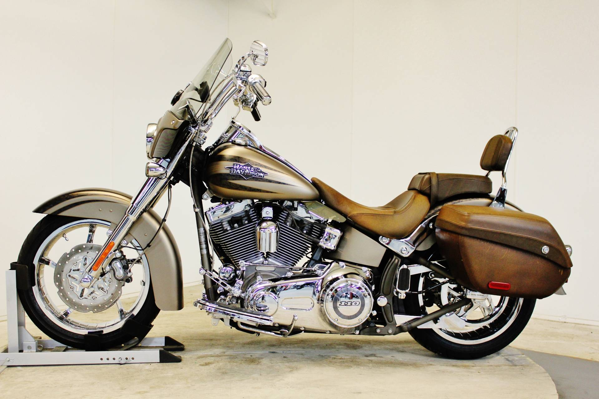 2012 Harley-Davidson CVO™ Softail® Convertible in Pittsfield, Massachusetts