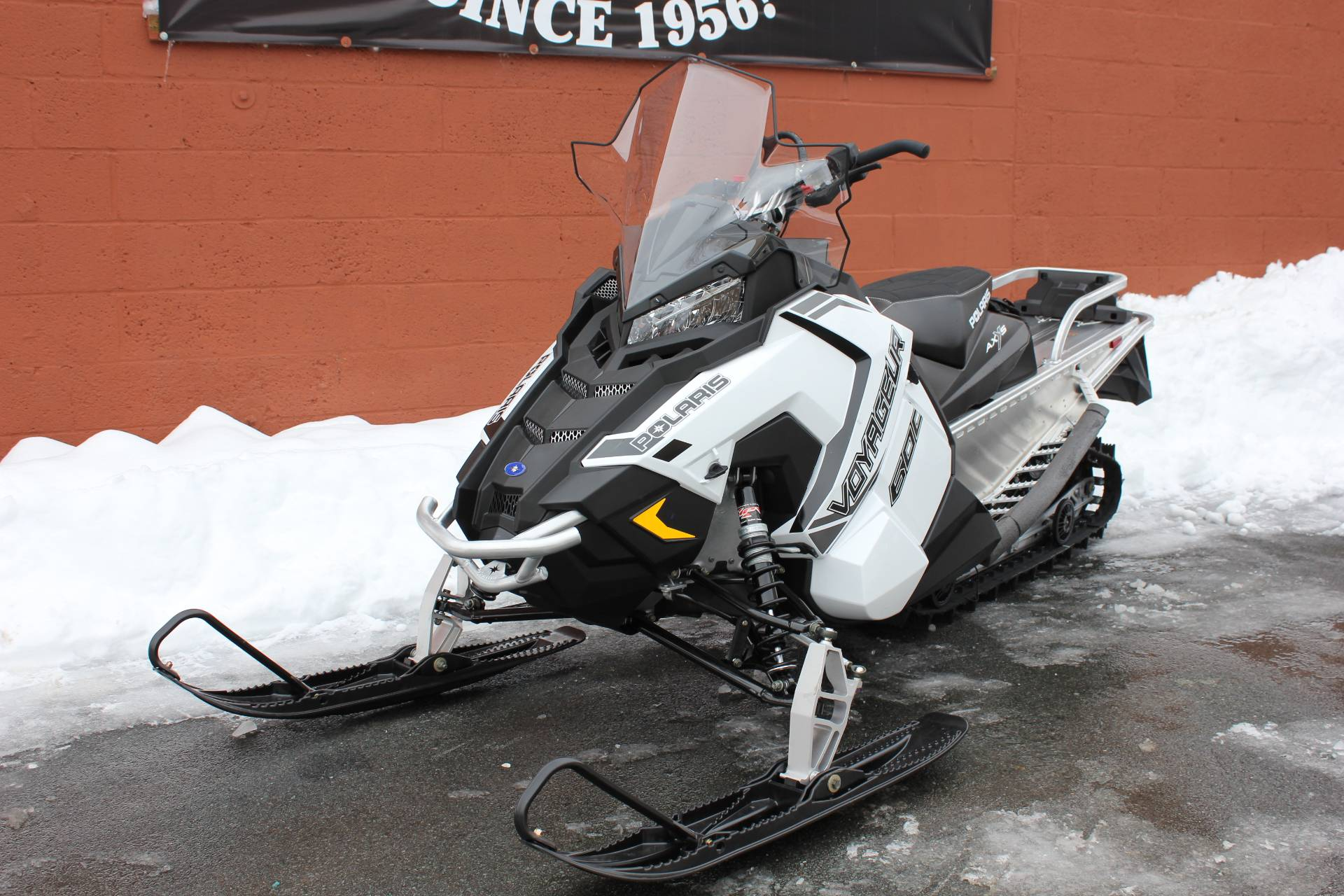2020 Polaris 600 Voyageur 144 ES in Pittsfield, Massachusetts - Photo 2