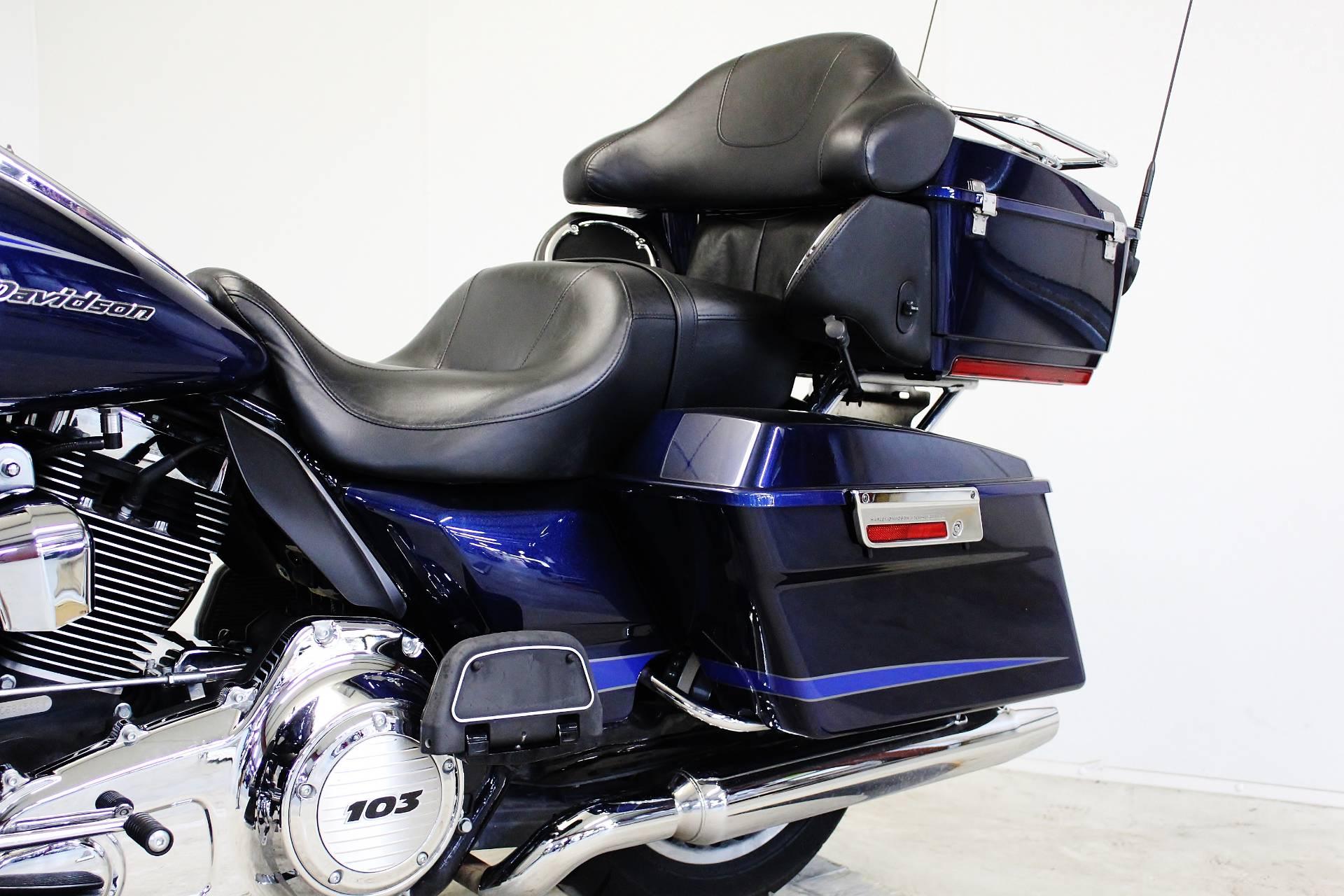 2012 Harley-Davidson Road Glide® Ultra in Pittsfield, Massachusetts