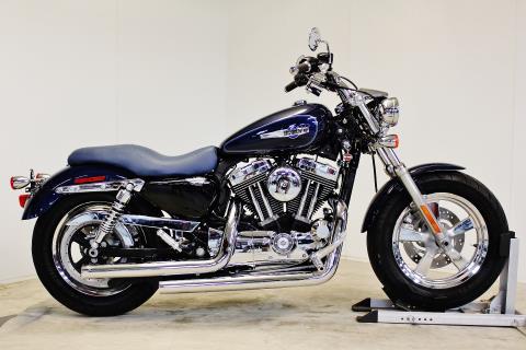 2012 Harley-Davidson Sportster® 1200 Custom in Pittsfield, Massachusetts