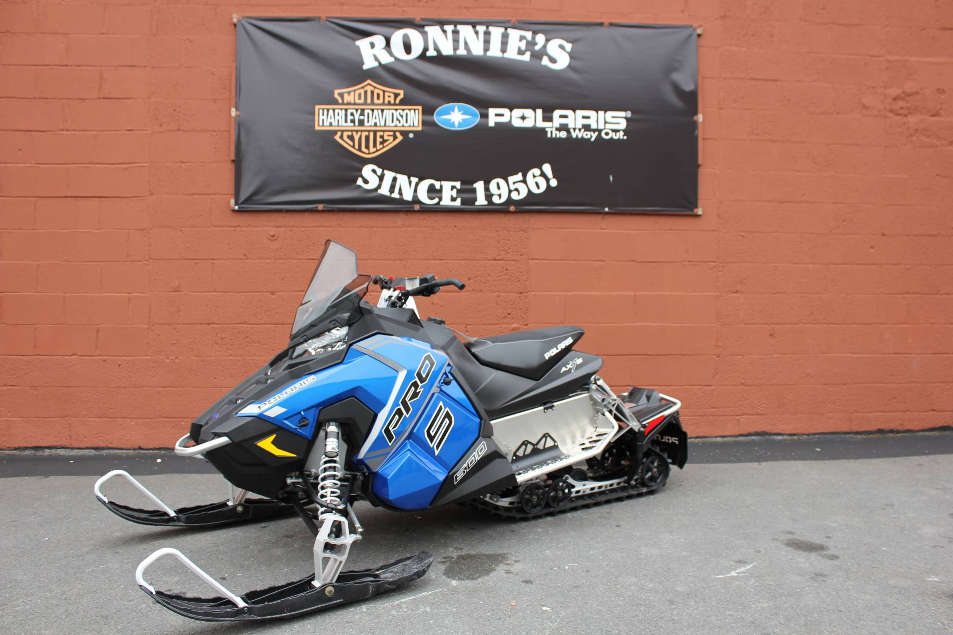 2018 Polaris 600 RUSH PRO-S ES in Pittsfield, Massachusetts