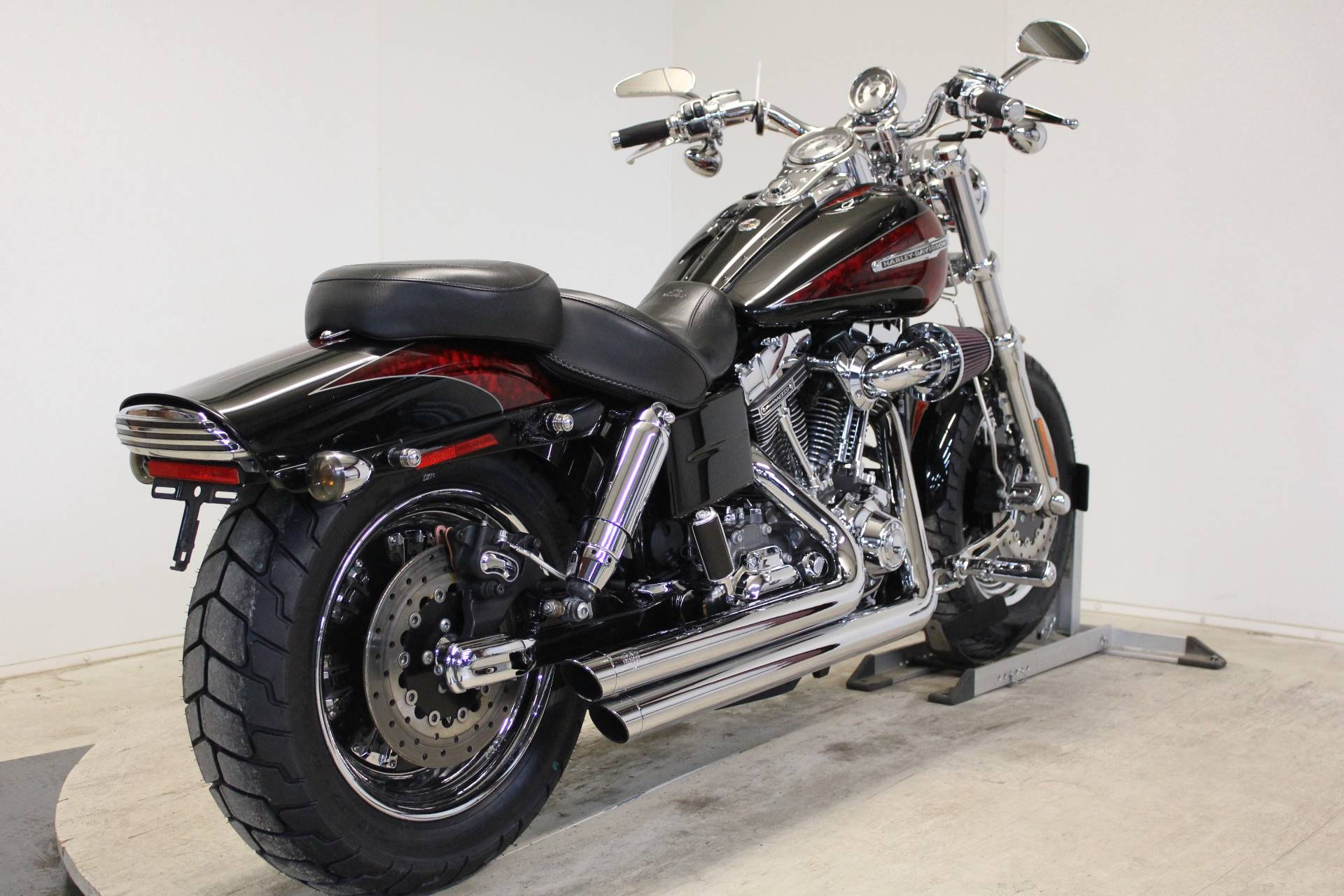 2009 Harley-Davidson CVO™ Dyna® Fat Bob® in Pittsfield, Massachusetts