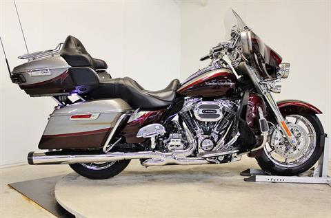 2015 Harley-Davidson CVO™ Limited in Pittsfield, Massachusetts