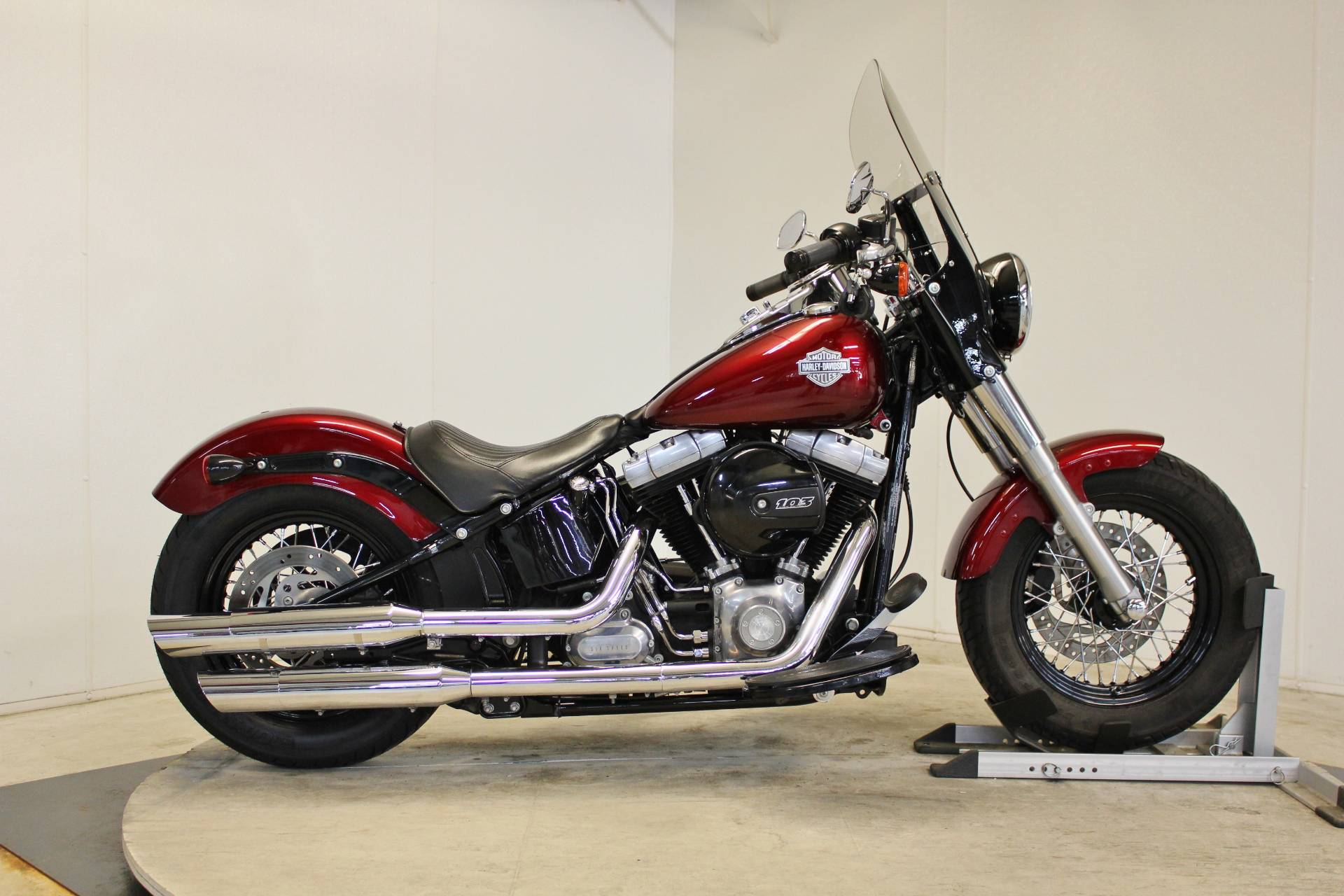 2016 Harley-Davidson Softail Slim® in Pittsfield, Massachusetts