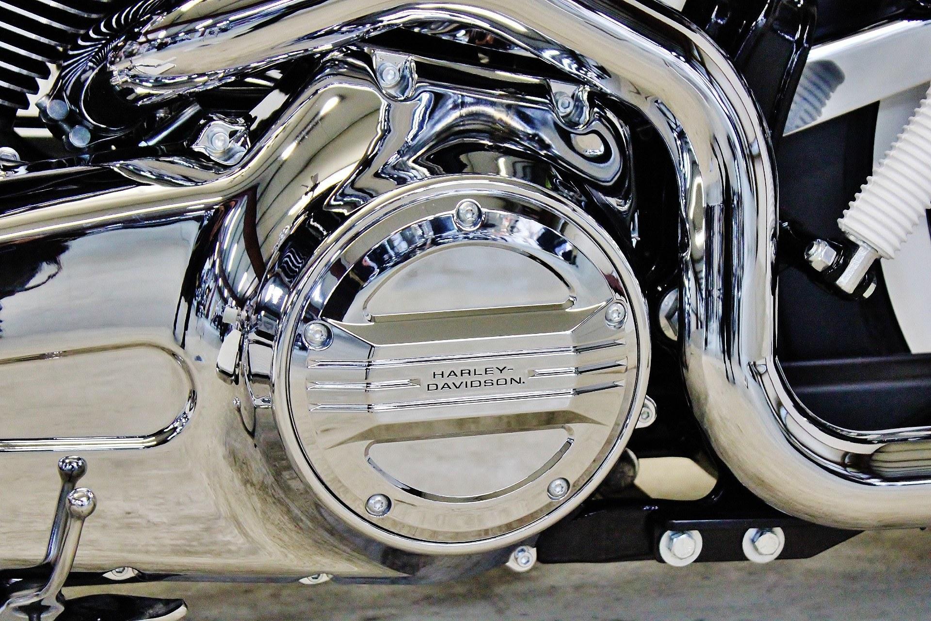 2015 Harley-Davidson Softail® Deluxe in Pittsfield, Massachusetts