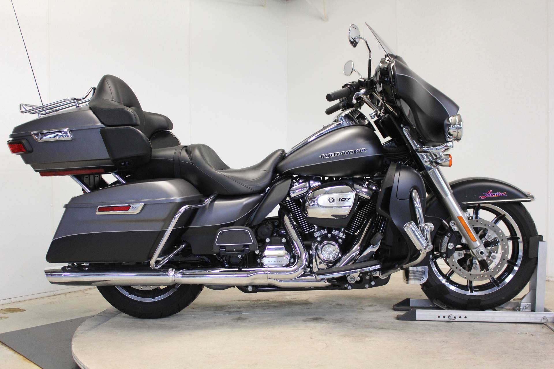 2017 Harley-Davidson Ultra Limited in Pittsfield, Massachusetts - Photo 1