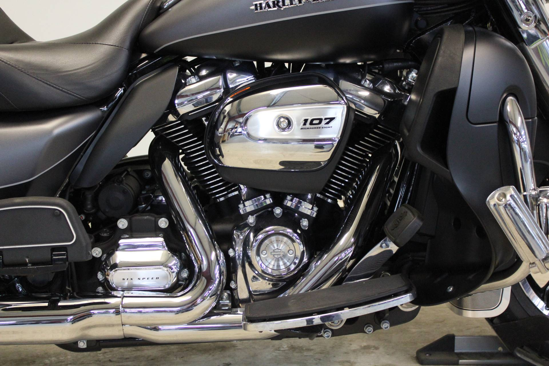 2017 Harley-Davidson Ultra Limited in Pittsfield, Massachusetts - Photo 9