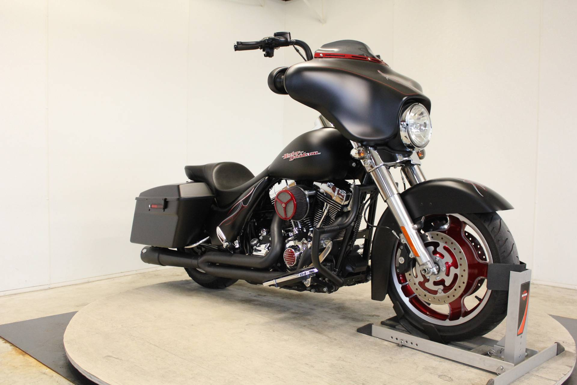 2011 Harley-Davidson Street Glide® in Pittsfield, Massachusetts