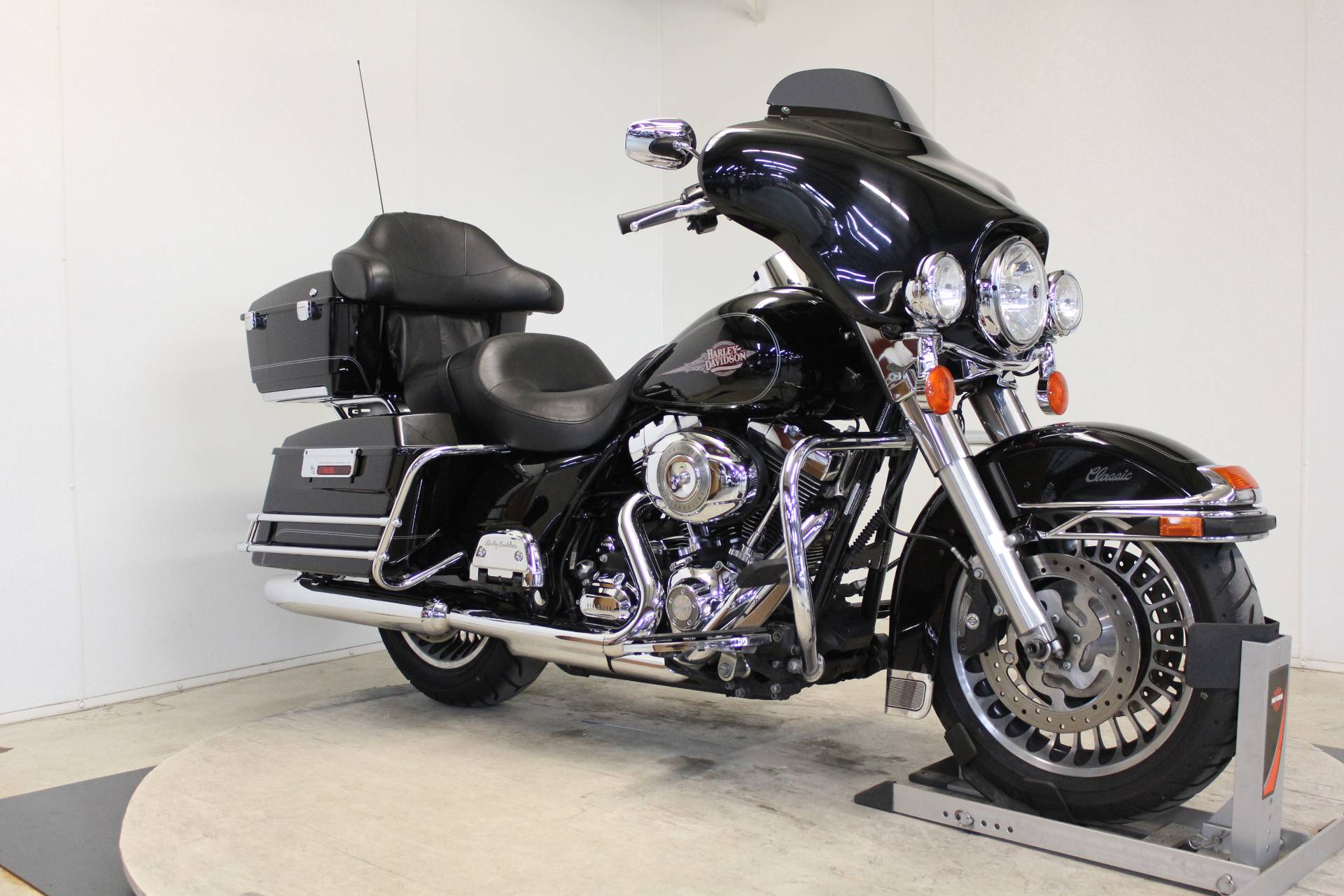 2009 Harley-Davidson Electra Glide® Classic in Pittsfield, Massachusetts - Photo 2