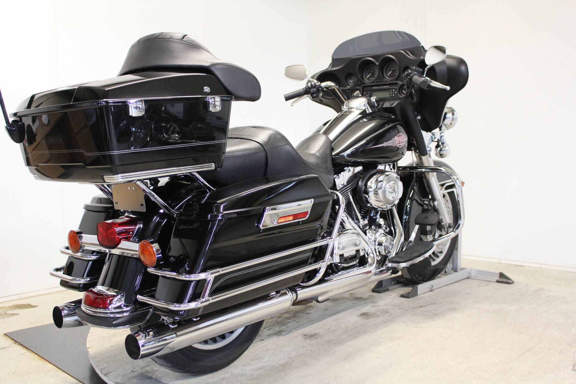 2009 Harley-Davidson Electra Glide® Classic in Pittsfield, Massachusetts - Photo 8