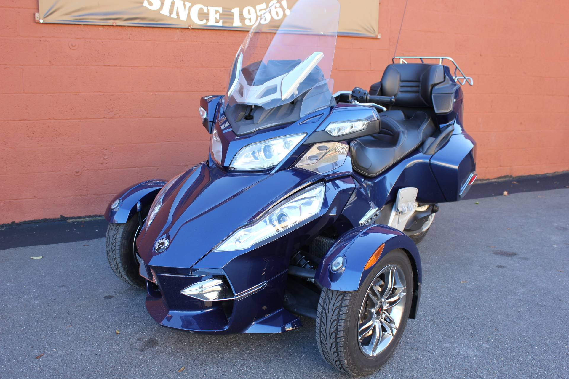 2010 Can-Am Spyder™ RT-S SM5 in Pittsfield, Massachusetts