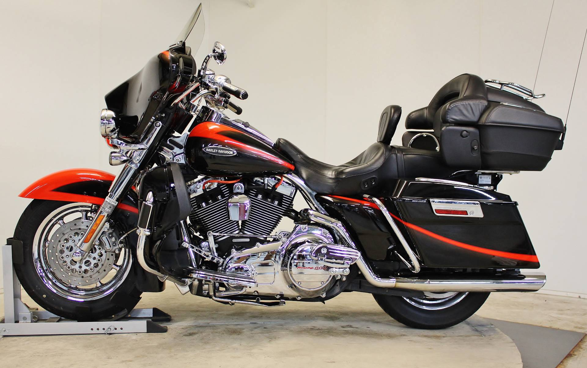 2007 Harley-Davidson CVO™ Screamin' Eagle® Ultra Classic® Electra Glide® in Pittsfield, Massachusetts