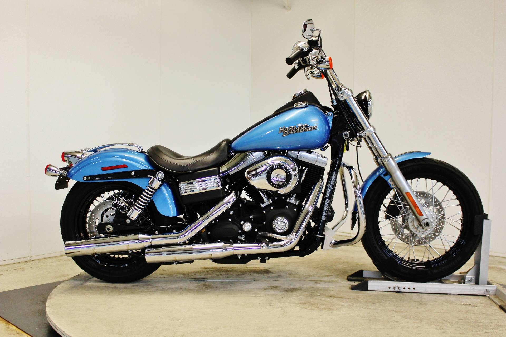 2011 Harley-Davidson Dyna® Street Bob® in Pittsfield, Massachusetts - Photo 1