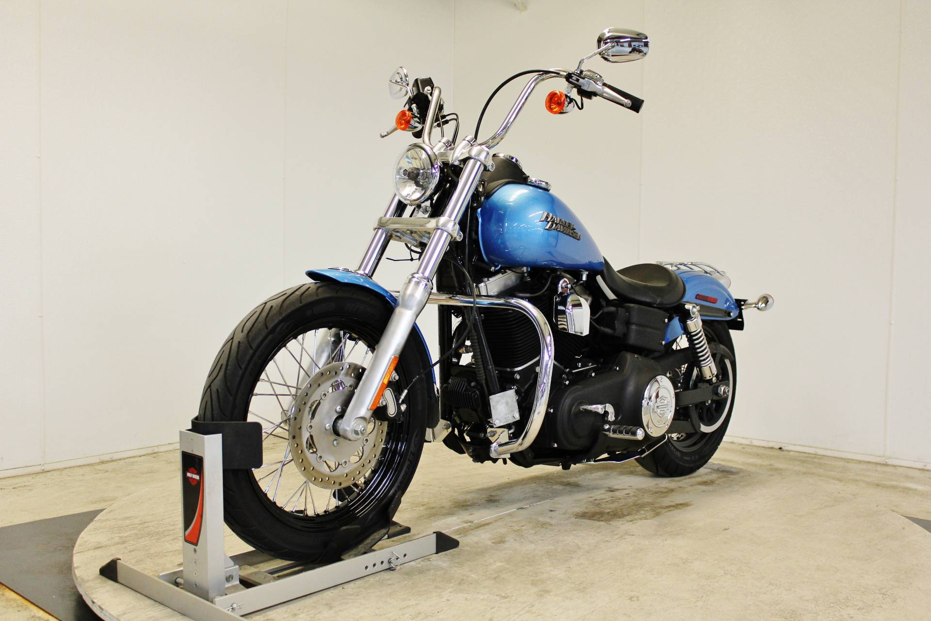 2011 Harley-Davidson Dyna® Street Bob® in Pittsfield, Massachusetts - Photo 4