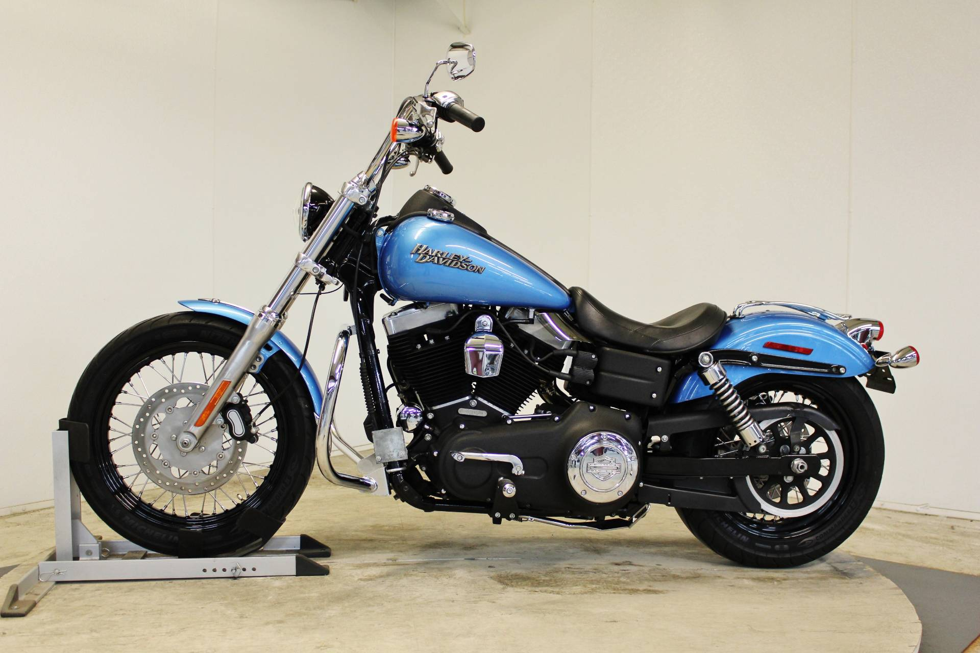 2011 Harley-Davidson Dyna® Street Bob® in Pittsfield, Massachusetts - Photo 5