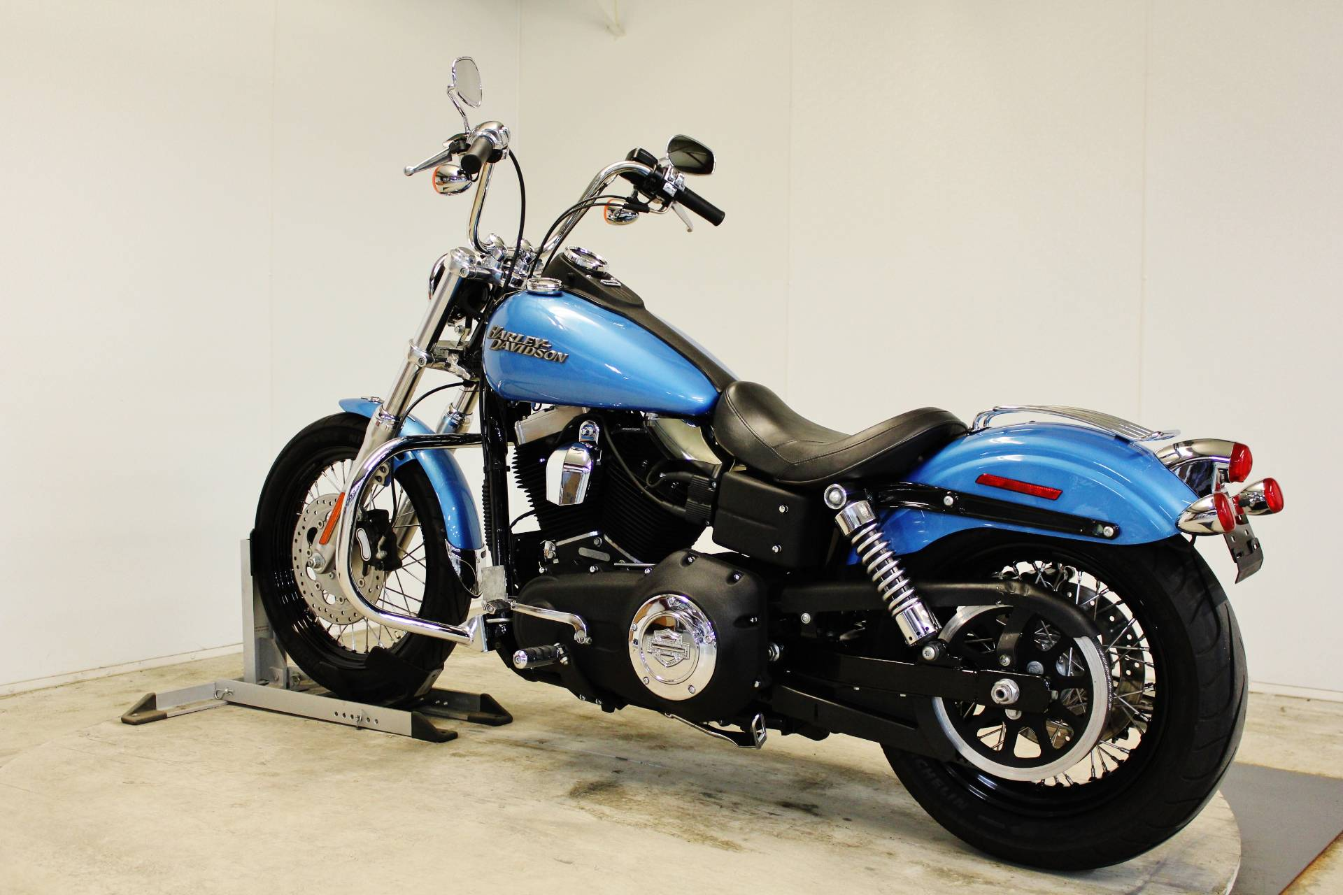 2011 Harley-Davidson Dyna® Street Bob® in Pittsfield, Massachusetts - Photo 6