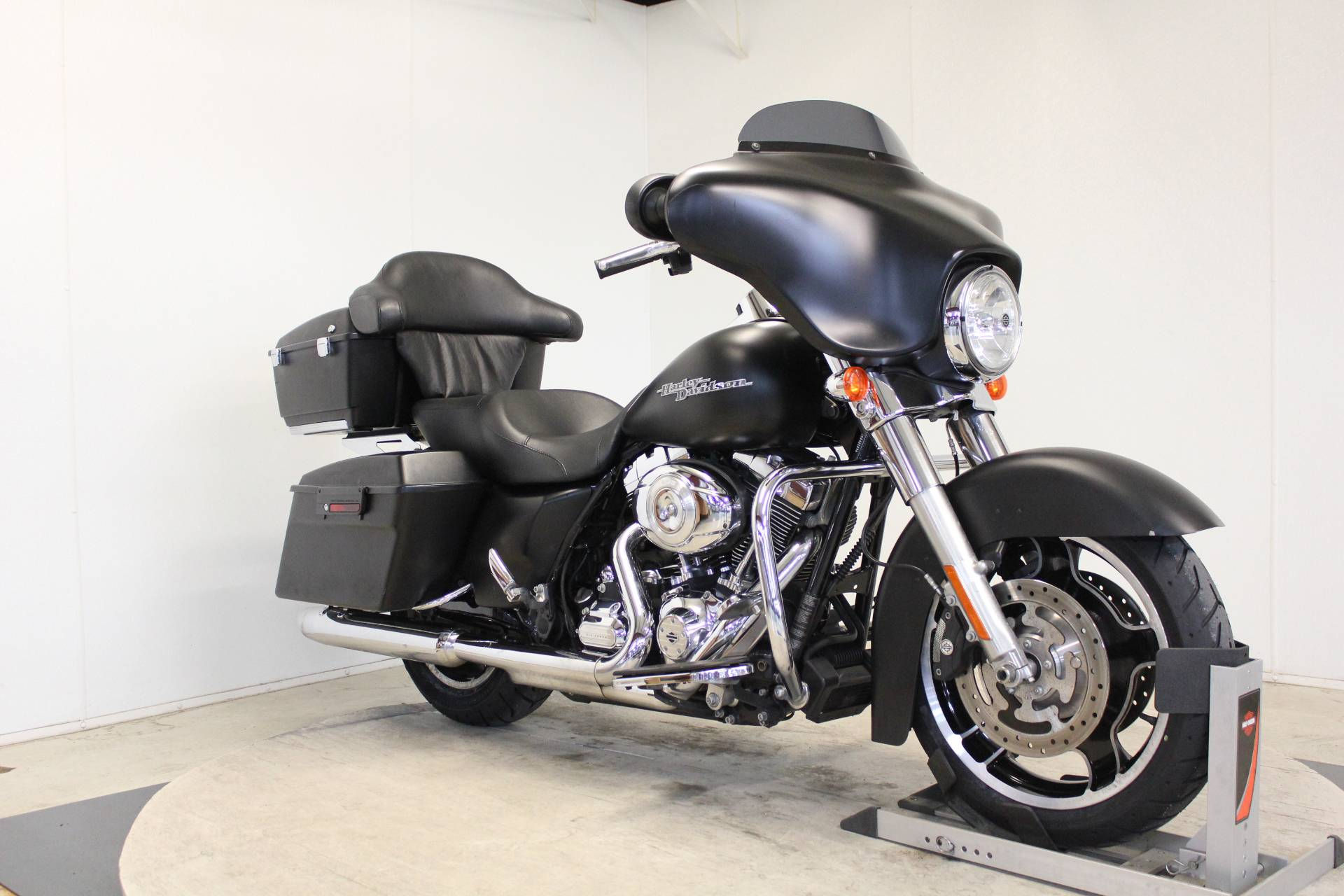 2013 Harley-Davidson Street Glide® in Pittsfield, Massachusetts - Photo 2