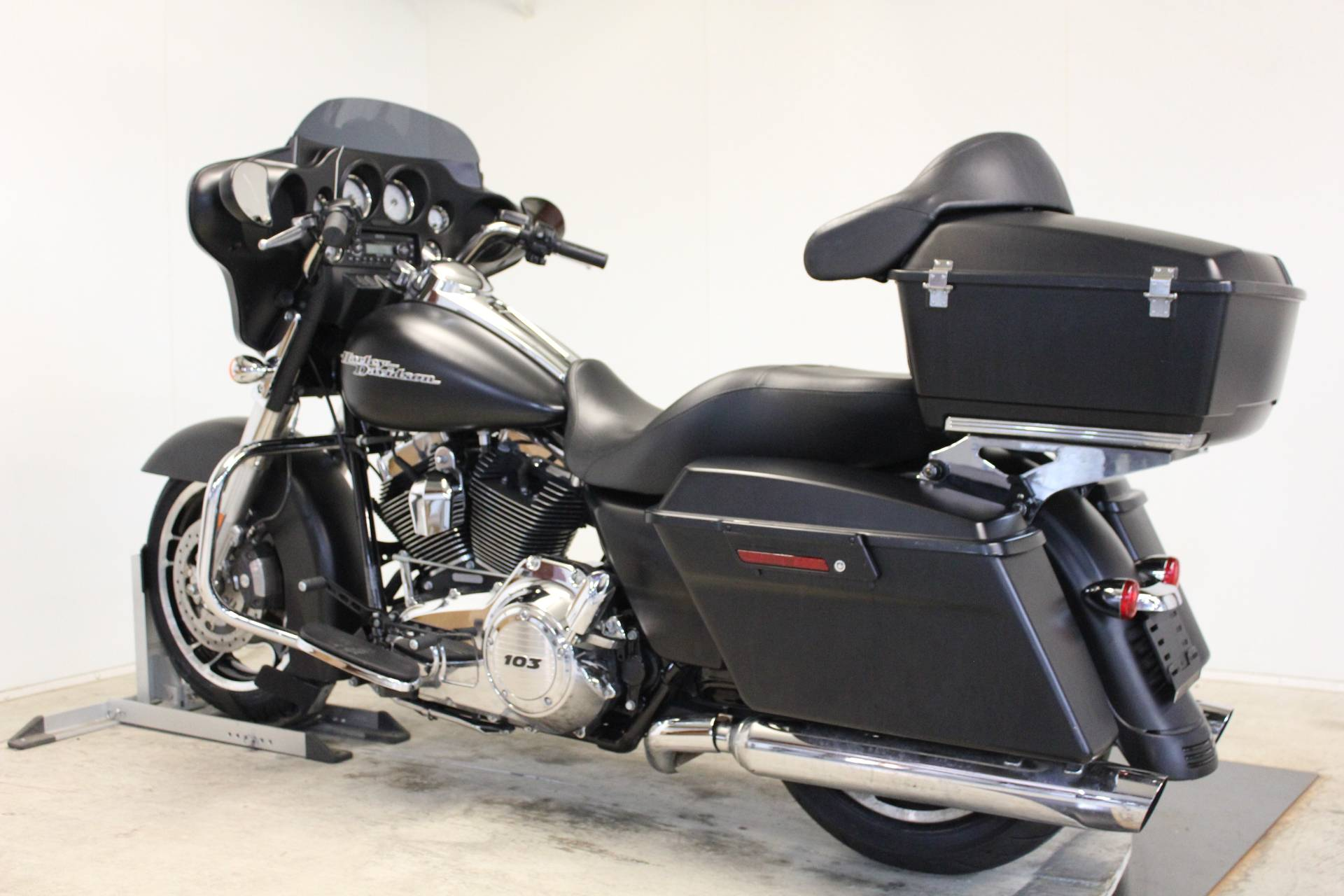 2013 Harley-Davidson Street Glide® in Pittsfield, Massachusetts - Photo 6