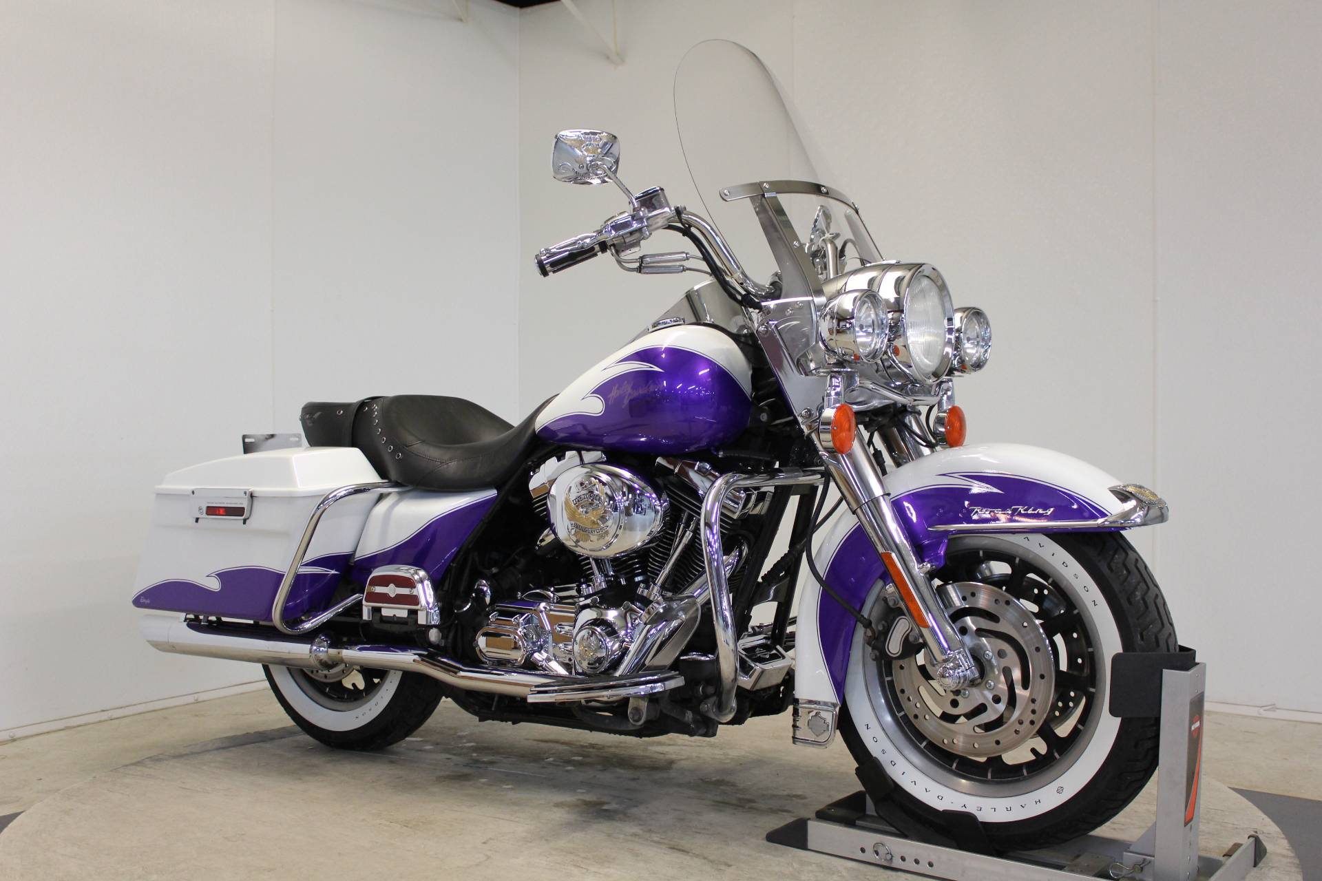 2002 Harley-Davidson FLHR/FLHRI Road King® in Pittsfield, Massachusetts - Photo 2