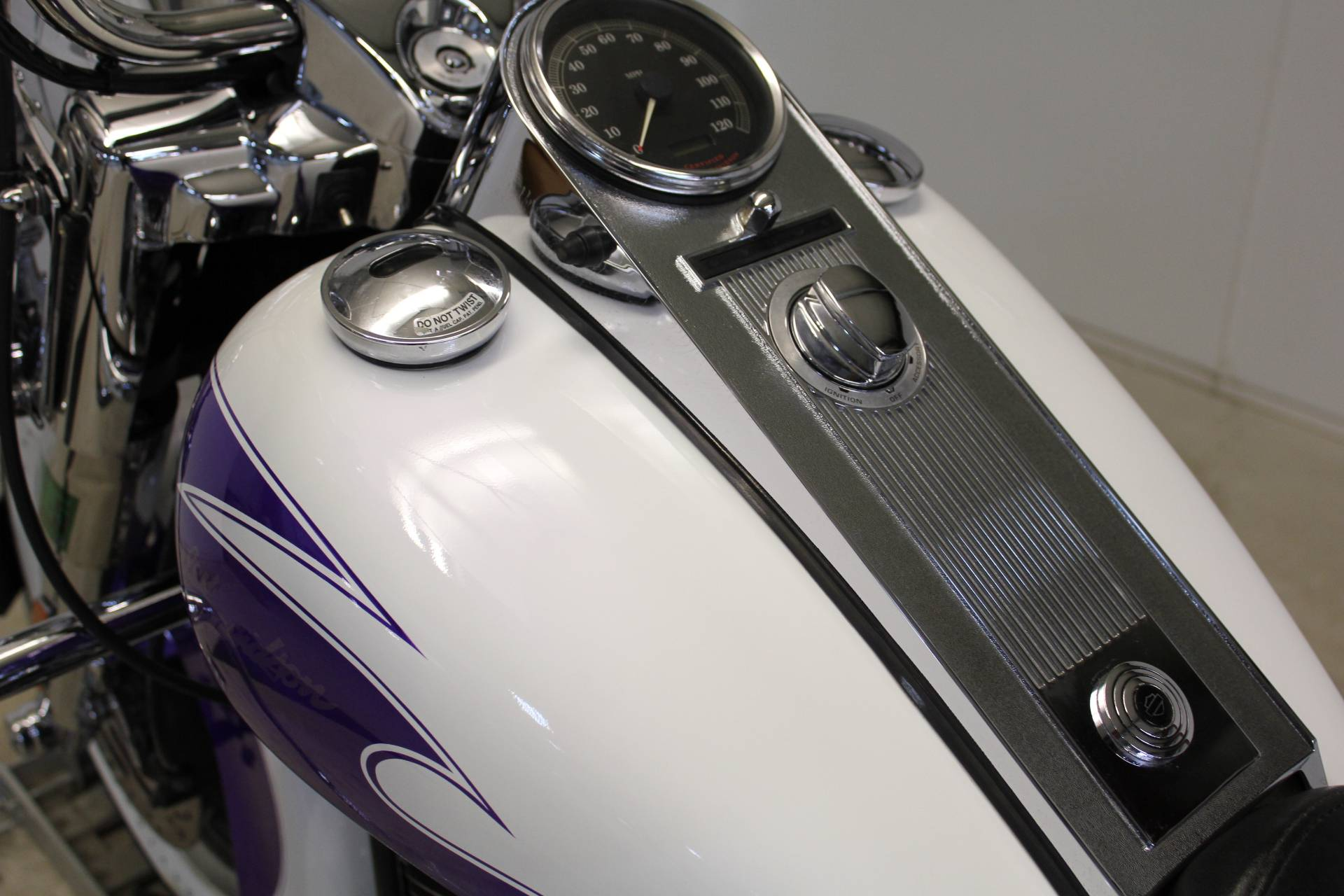 2002 Harley-Davidson FLHR/FLHRI Road King® in Pittsfield, Massachusetts - Photo 15