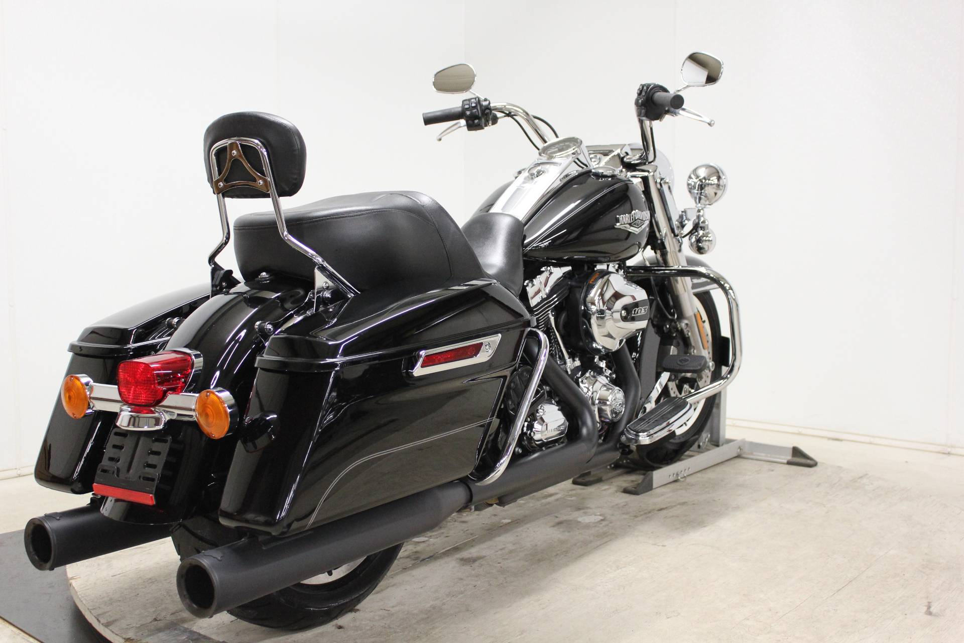 2014 Harley-Davidson Road King® in Pittsfield, Massachusetts - Photo 8