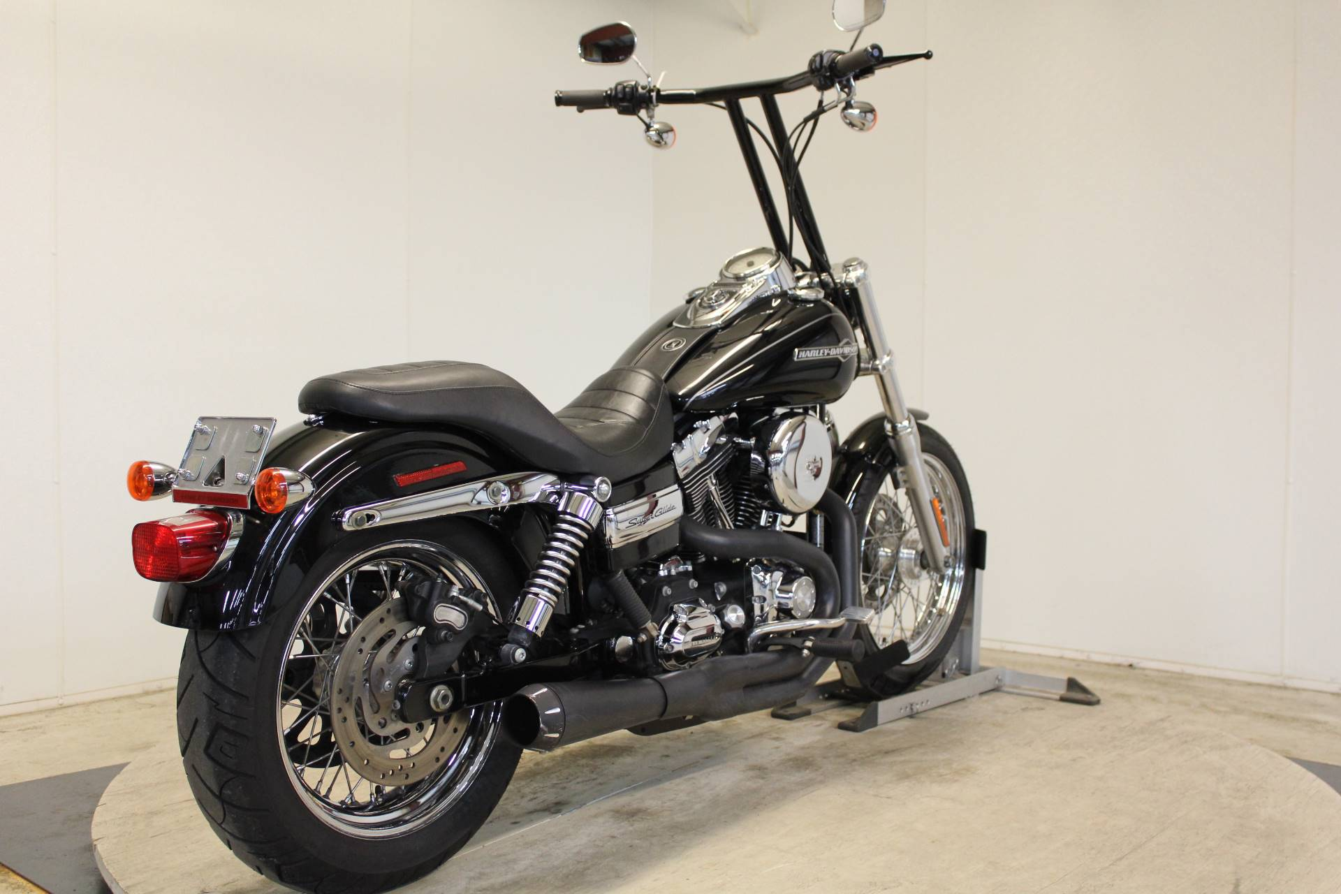 2011 Harley-Davidson Dyna® Super Glide® Custom in Pittsfield, Massachusetts
