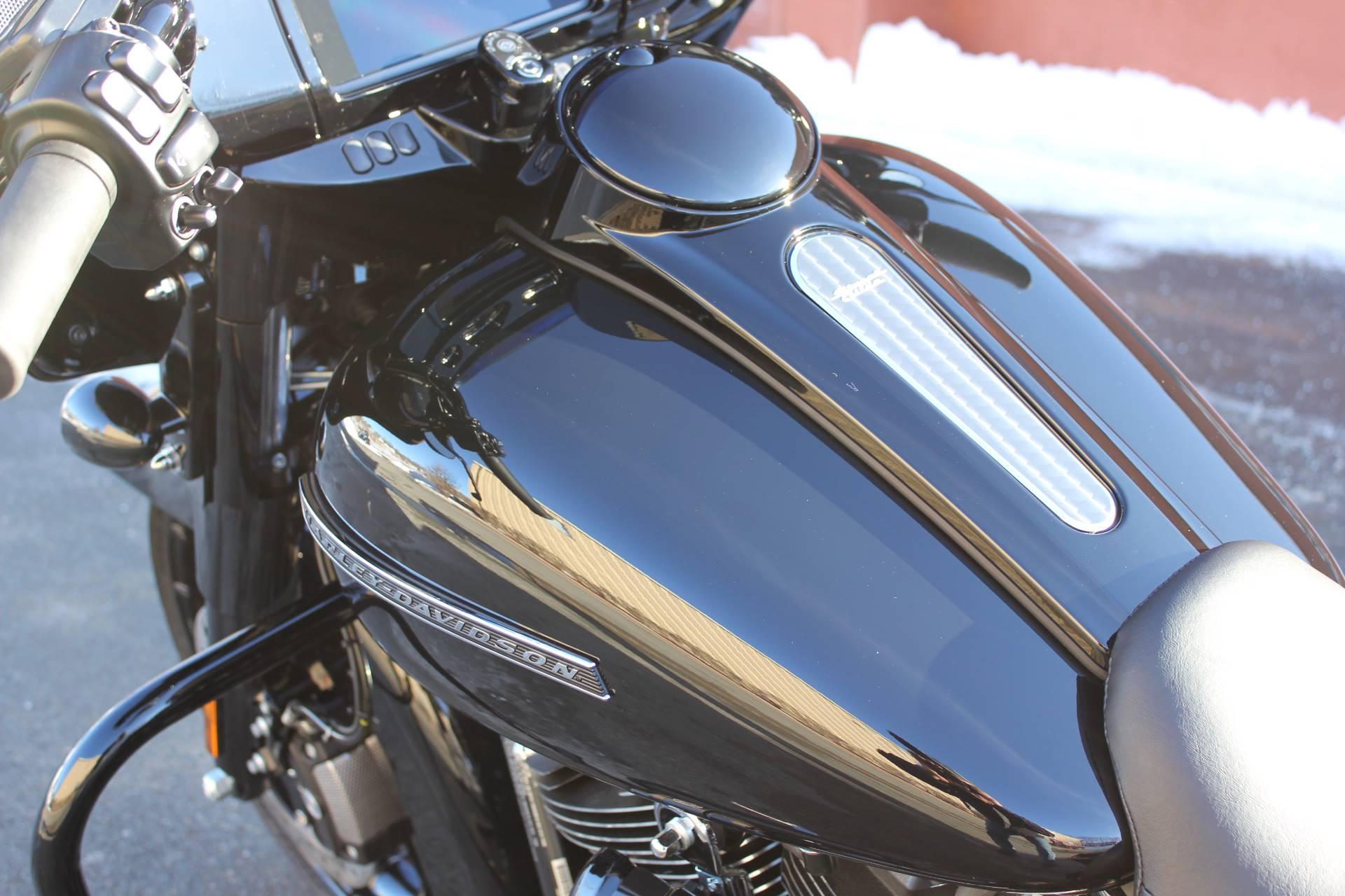 2019 Harley-Davidson Street Glide Special 2