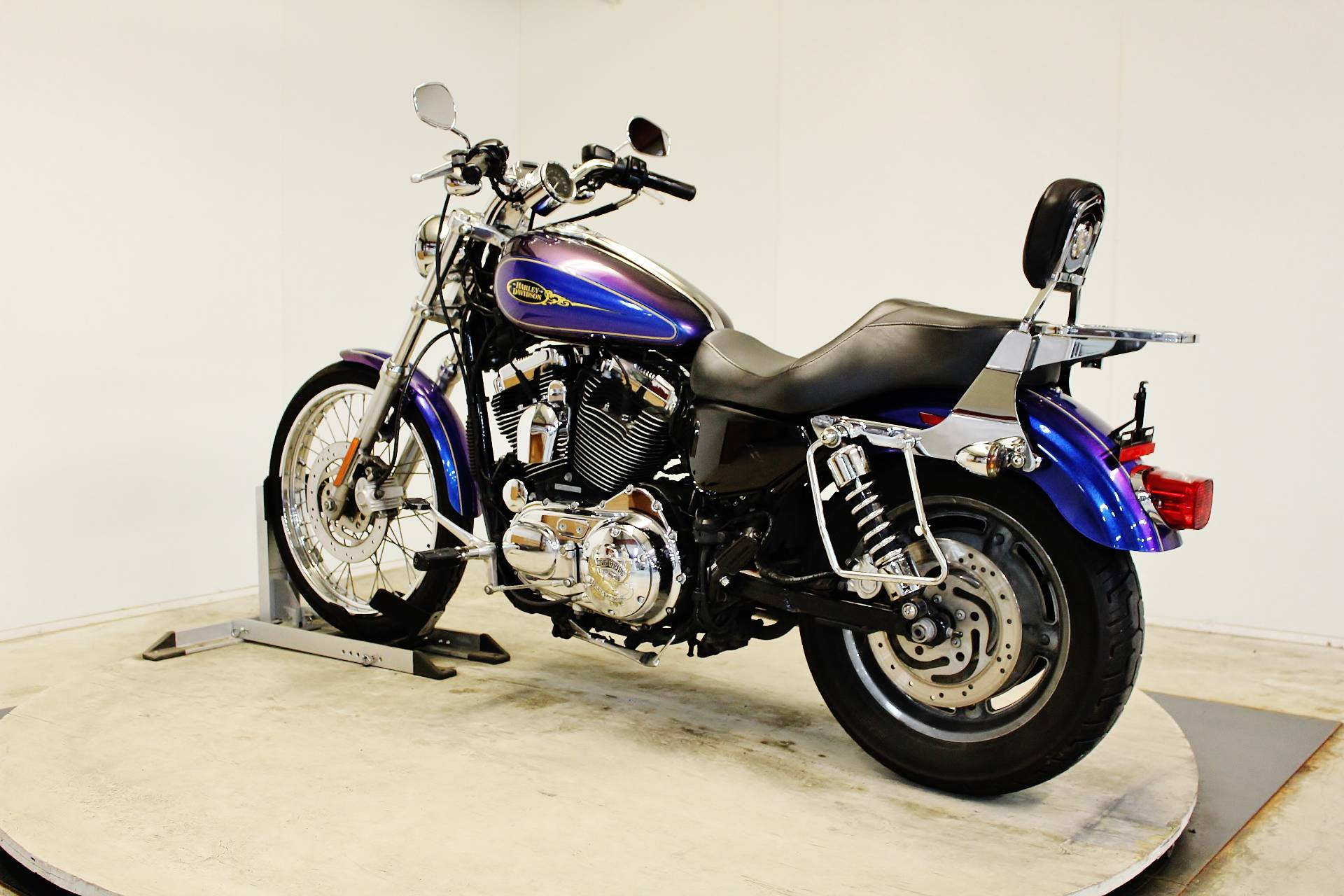 2009 Harley-Davidson Sportster® 1200 Custom in Pittsfield, Massachusetts - Photo 6