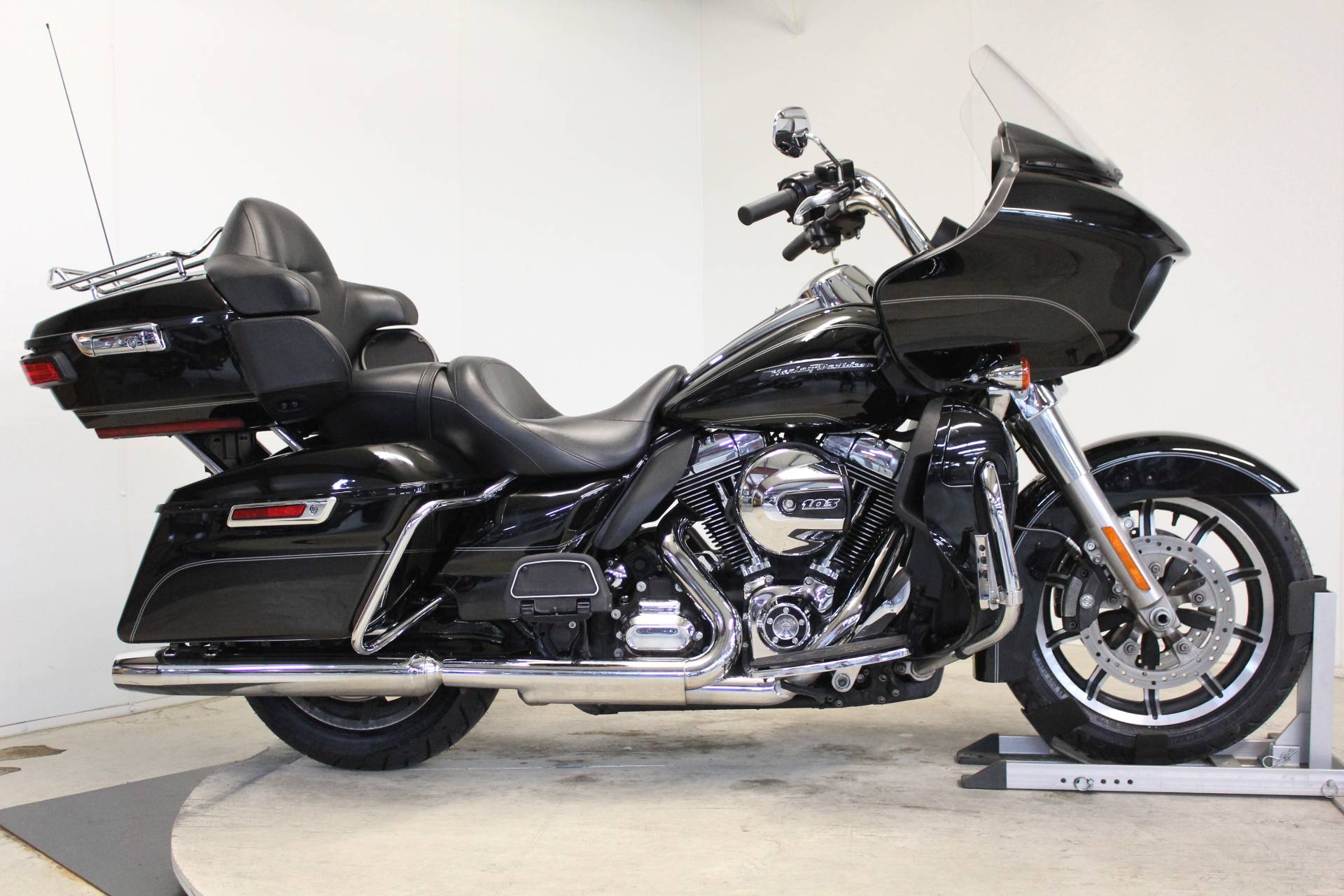 2016 Harley-Davidson Road Glide® Ultra in Pittsfield, Massachusetts - Photo 1