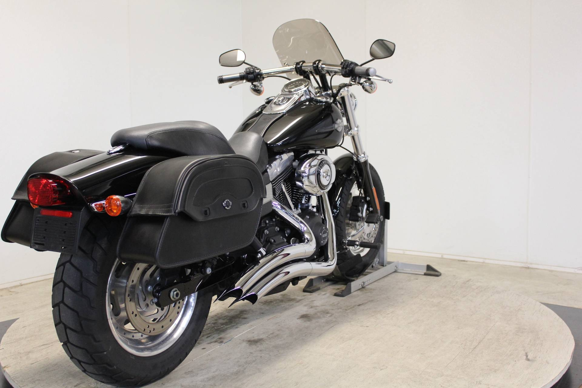 2012 Harley-Davidson Dyna® Fat Bob® in Pittsfield, Massachusetts - Photo 8