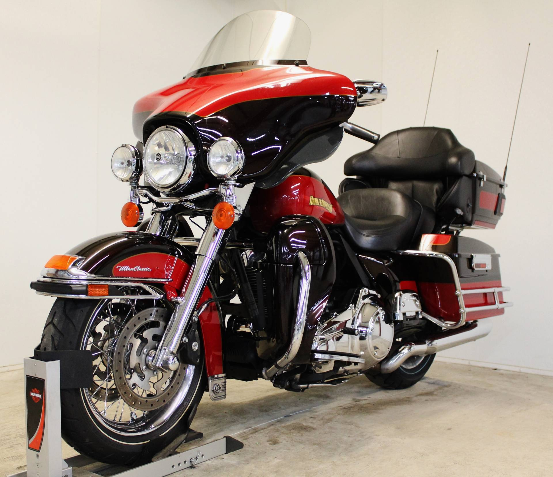 2010 harley davidson ultra classic electra glide for sale pittsfield ma 81798. Black Bedroom Furniture Sets. Home Design Ideas