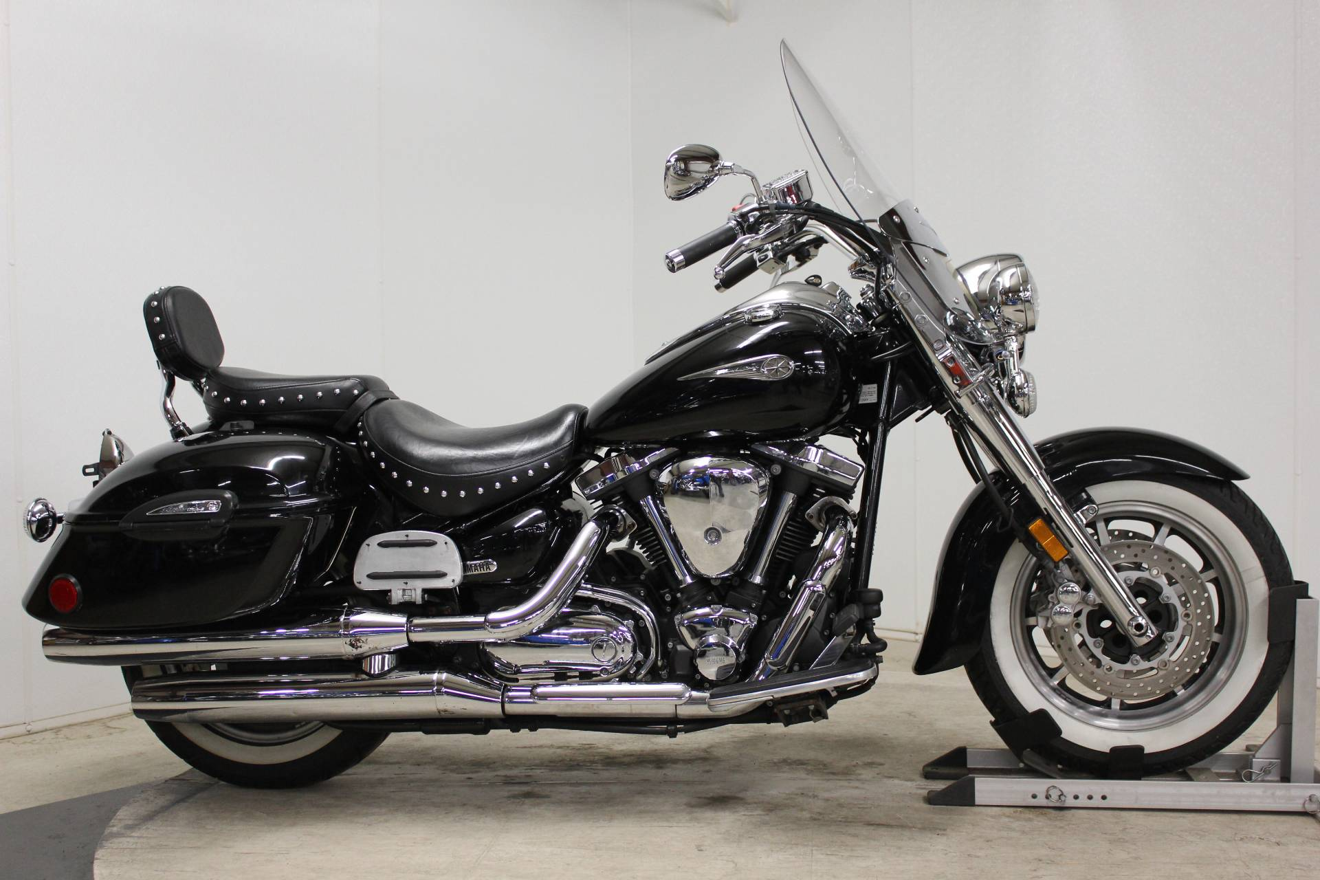 2005 Yamaha Road Star Midnight Silverado® in Pittsfield, Massachusetts - Photo 1