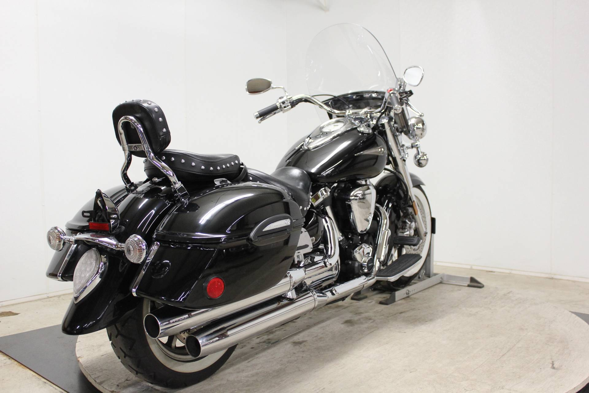 2005 Yamaha Road Star Midnight Silverado® in Pittsfield, Massachusetts - Photo 8