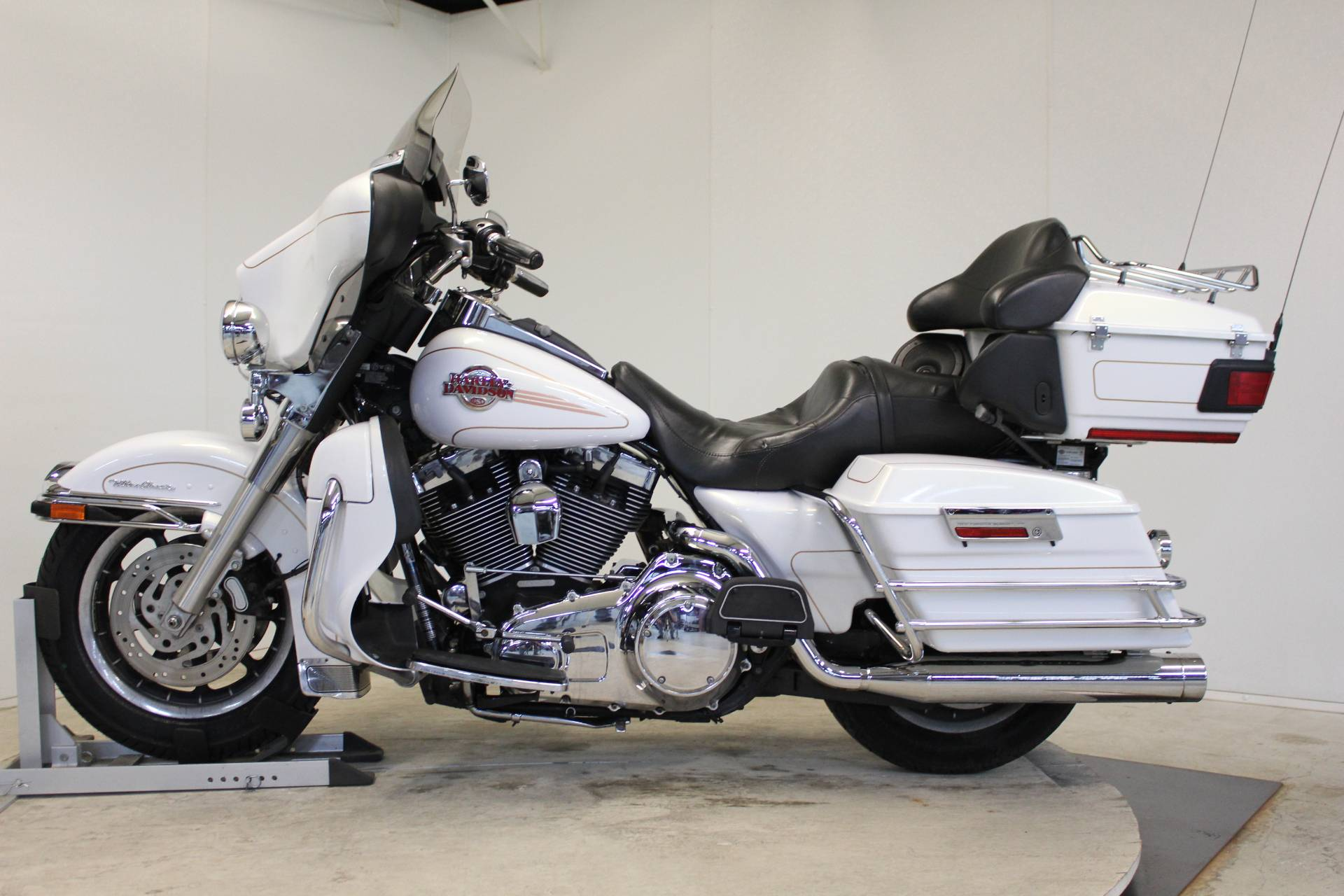 2007 Harley-Davidson Ultra Classic® Electra Glide® in Pittsfield, Massachusetts - Photo 5