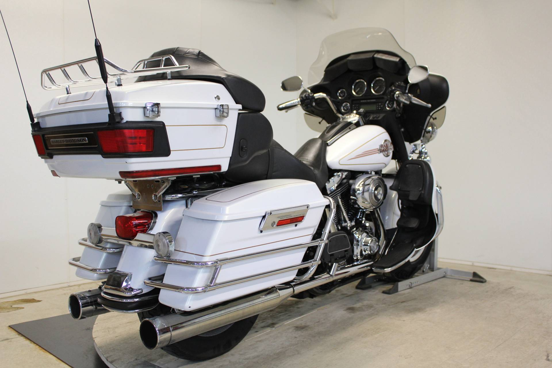 2007 Harley-Davidson Ultra Classic® Electra Glide® in Pittsfield, Massachusetts - Photo 8