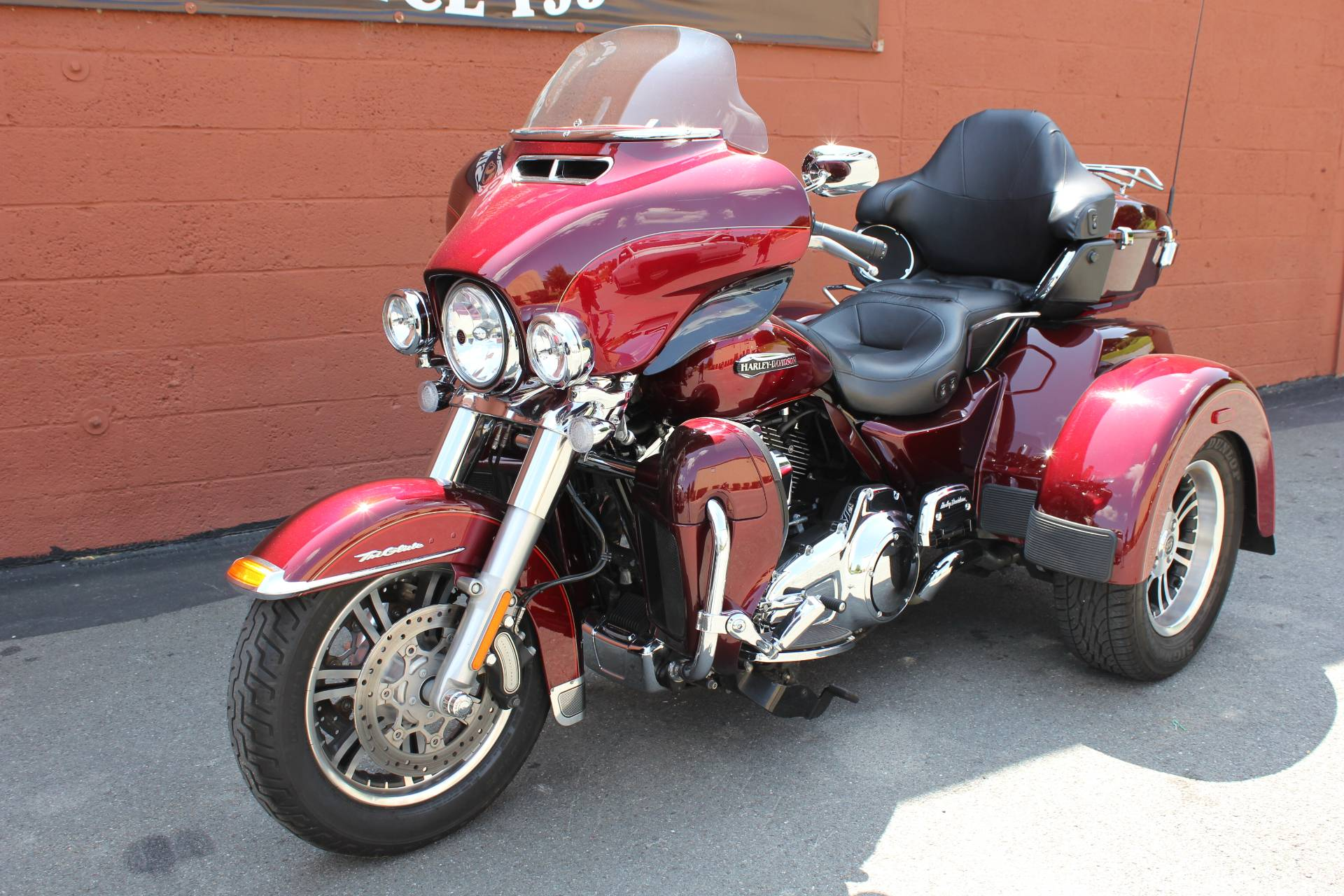 Harley Tri Glide >> 2016 Harley Davidson Tri Glide Ultra In Pittsfield Massachusetts