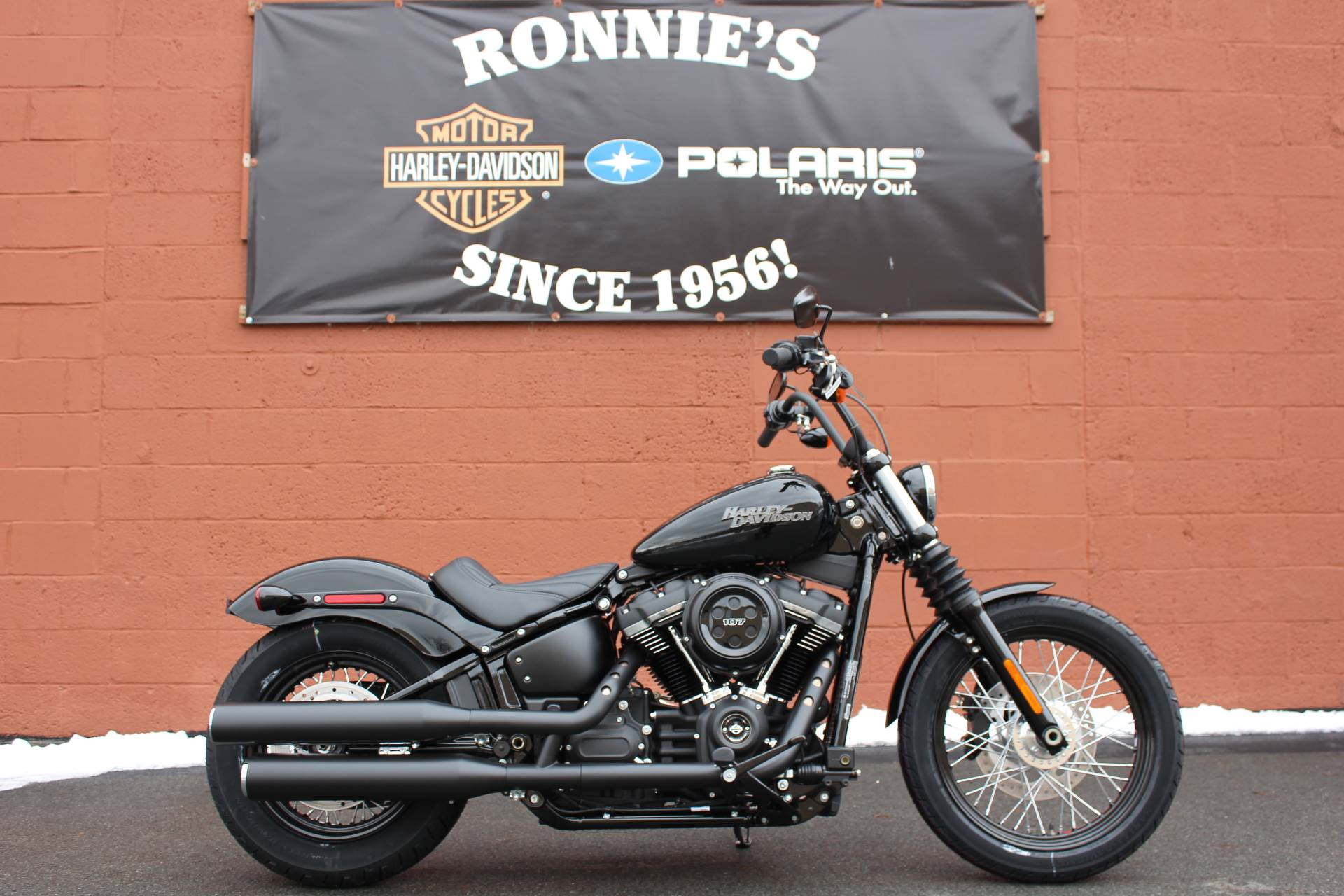 2019 Harley-Davidson Street Bob® in Pittsfield, Massachusetts