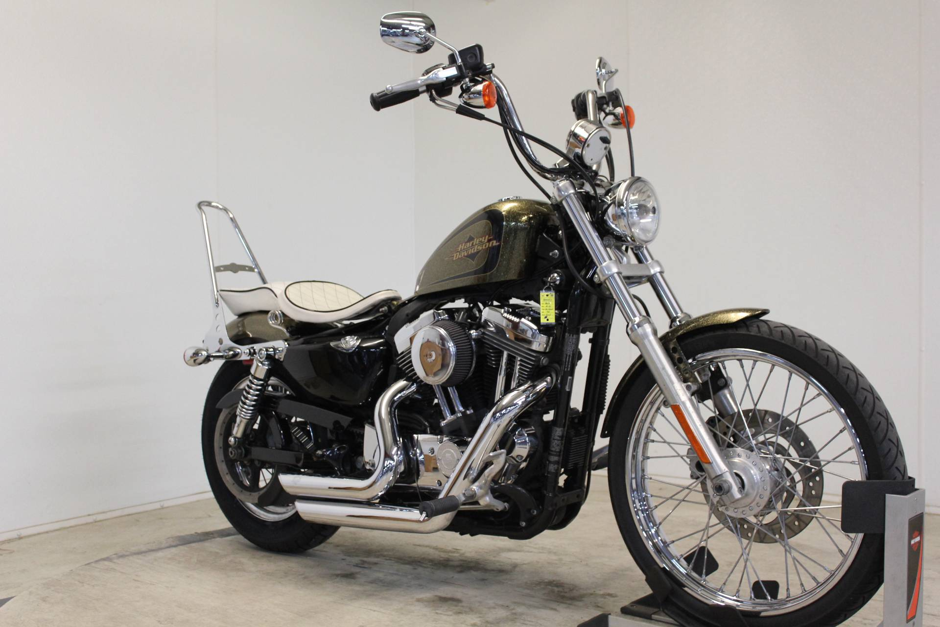 2013 Harley-Davidson Sportster® Seventy-Two® in Pittsfield, Massachusetts - Photo 2