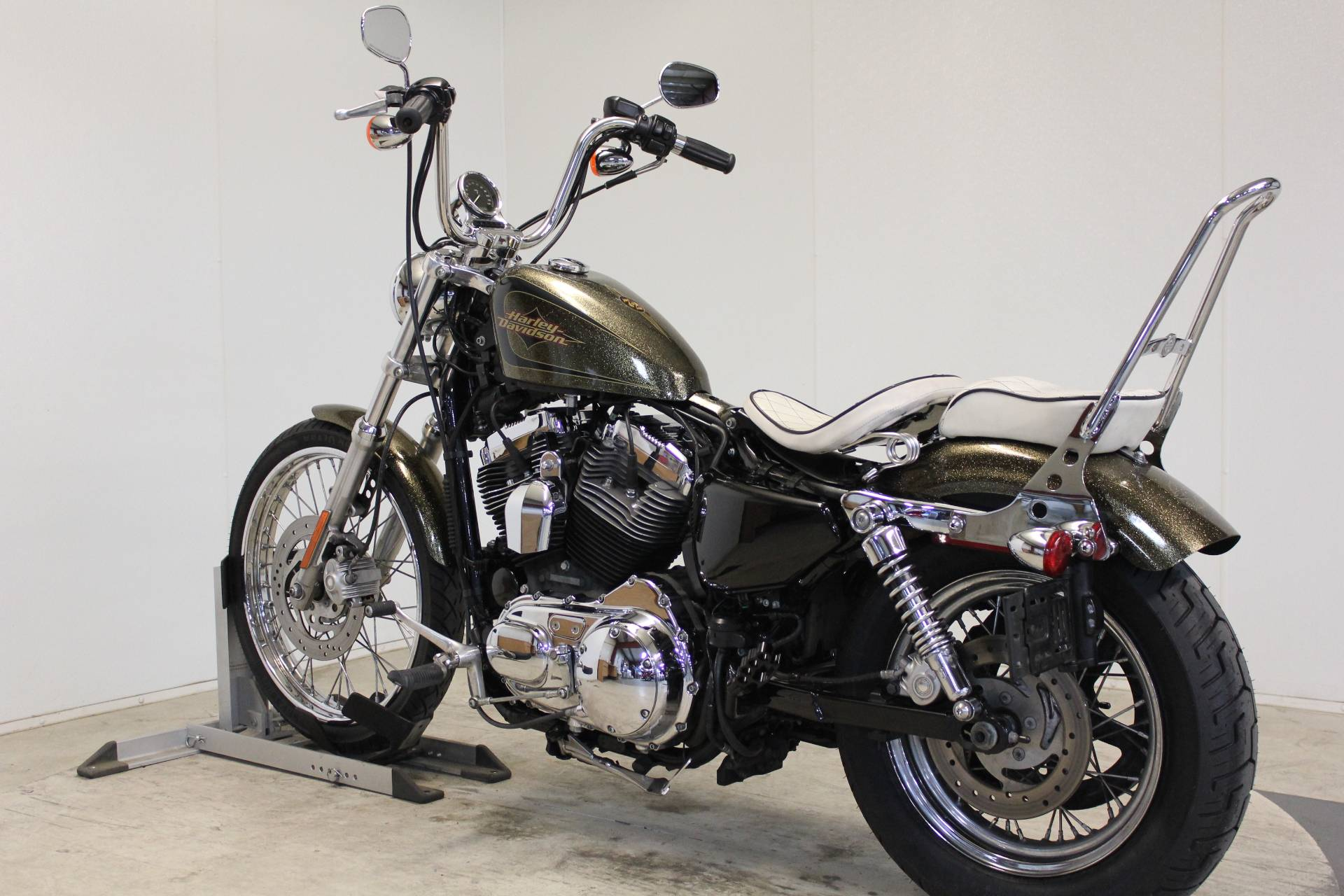 2013 Harley-Davidson Sportster® Seventy-Two® in Pittsfield, Massachusetts - Photo 6